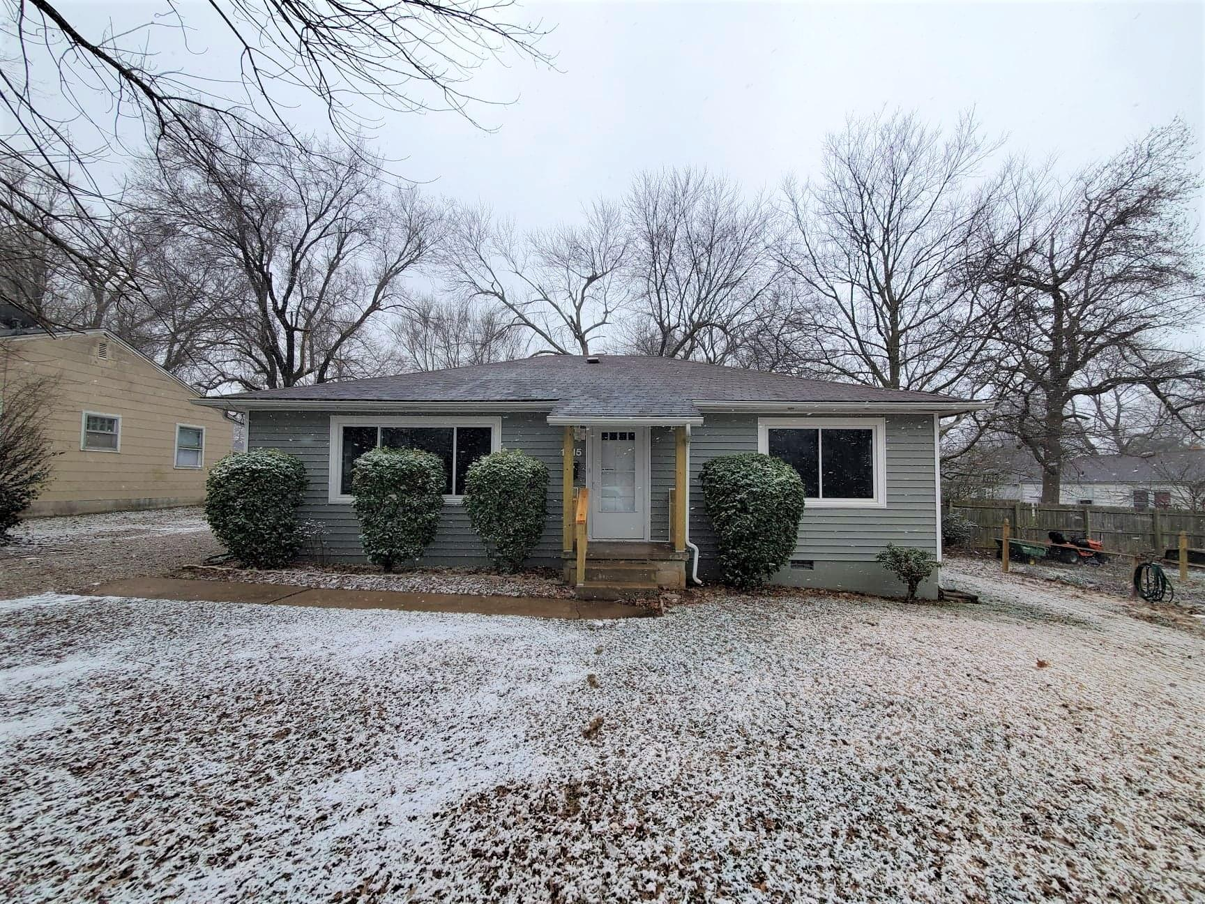 1615 South Weaver Avenue Springfield, MO 65807