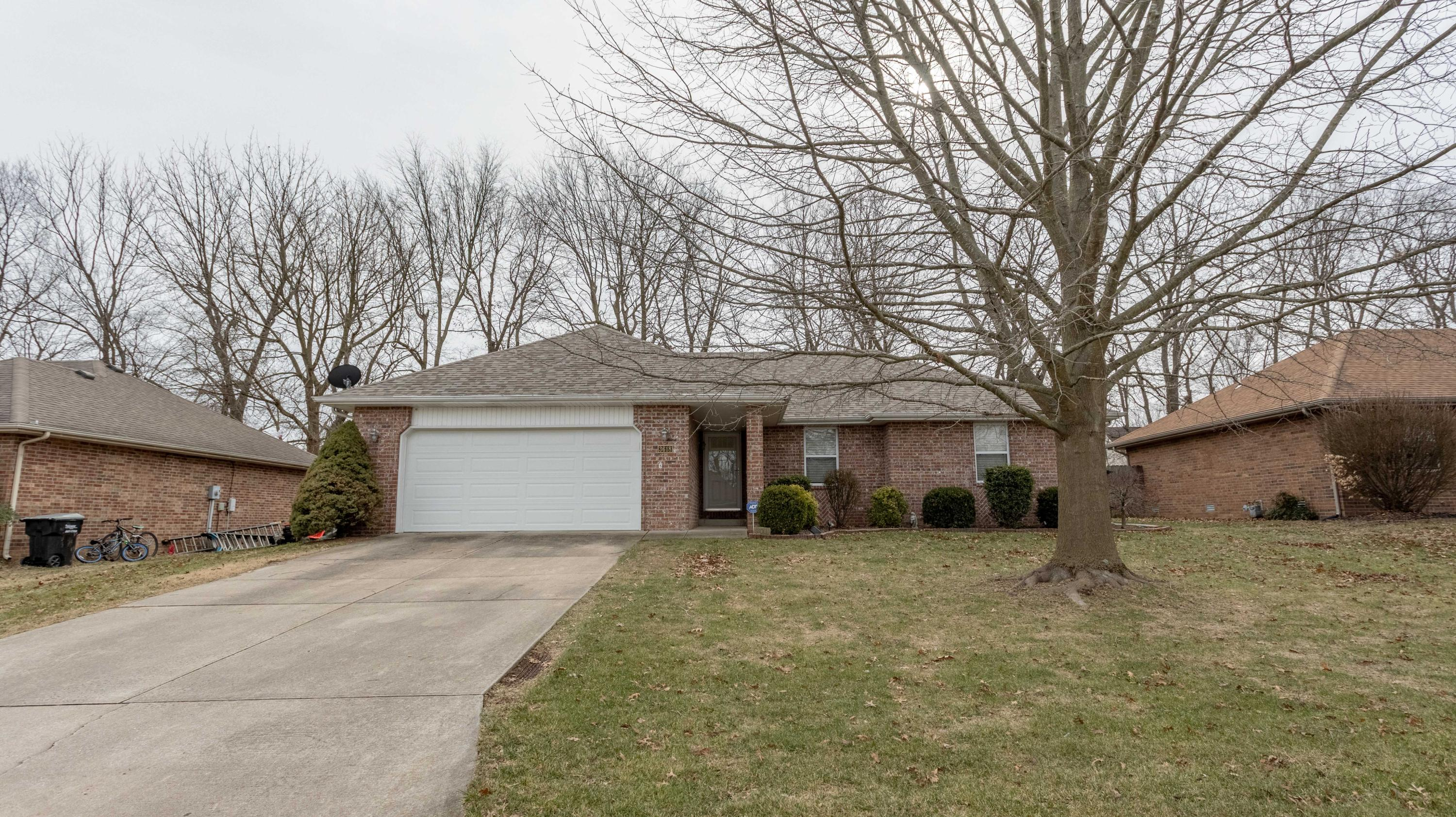 3618 West Vincent Drive Springfield, MO 65810