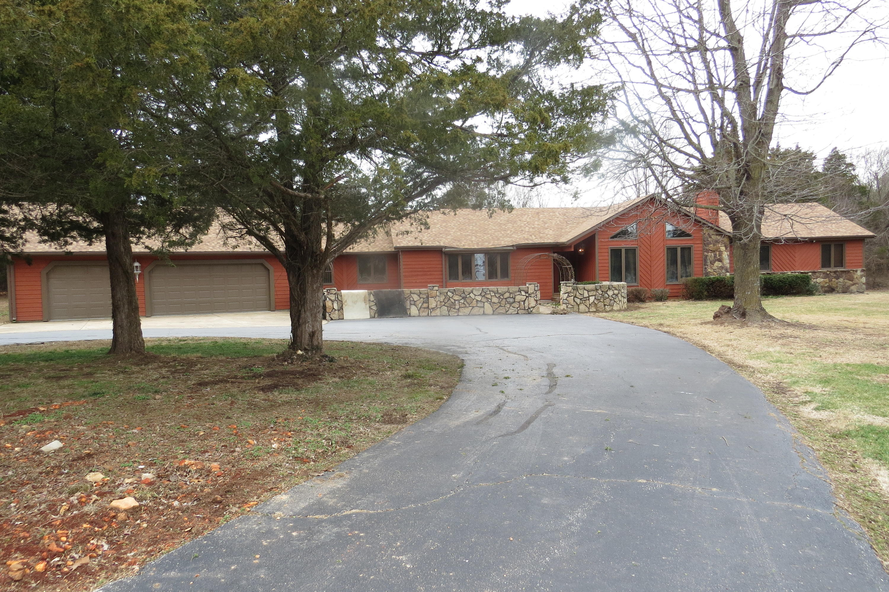 3720 West Farm Road Springfield, MO 65803