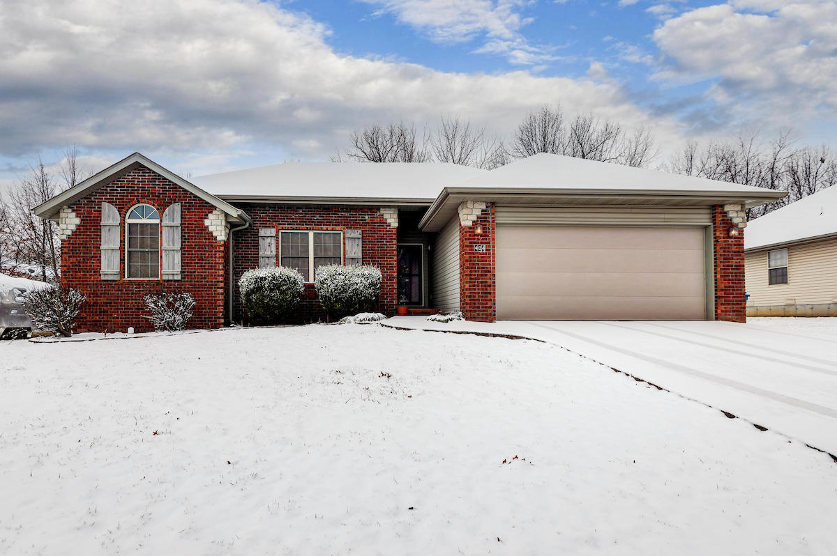404 West Cherokee Path Clever, MO 65631