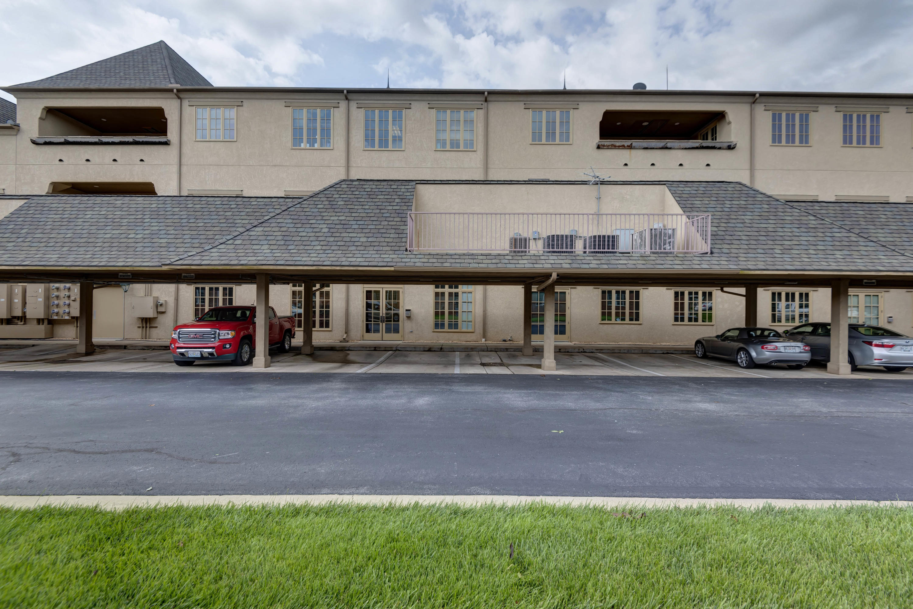 1531 East Bradford Parkway UNIT 2nd/3rd Floors Excce Springfield, MO 65804