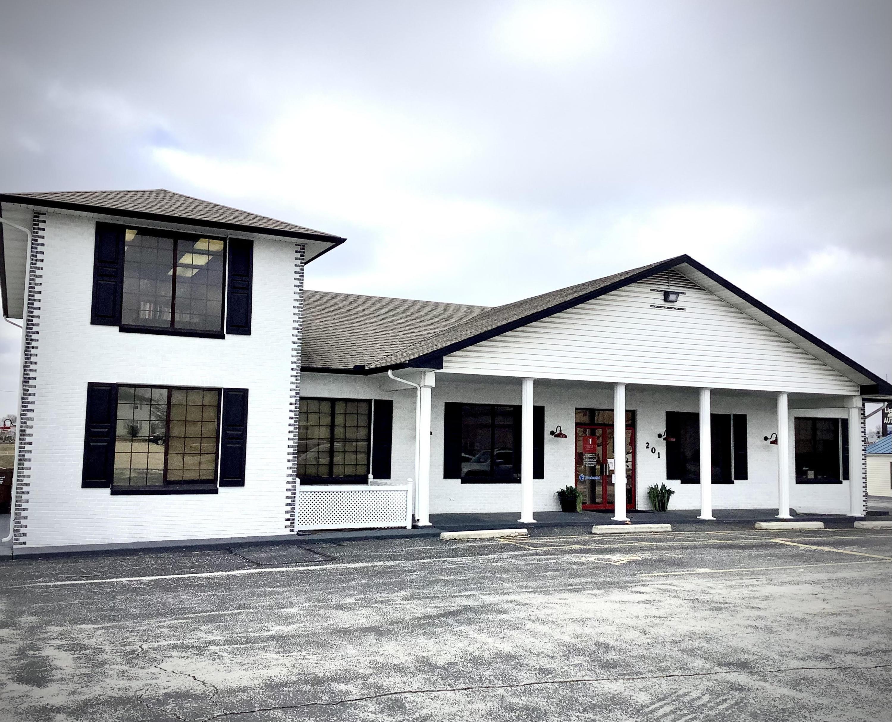 201 Village Center Street Nixa, MO 65714