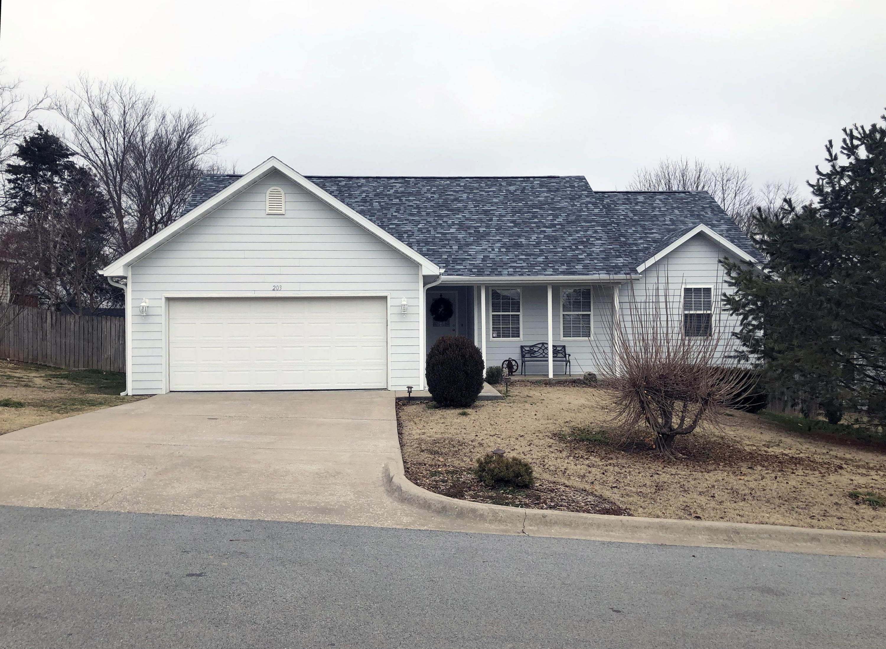 203 Daless Court Hollister, MO 65672