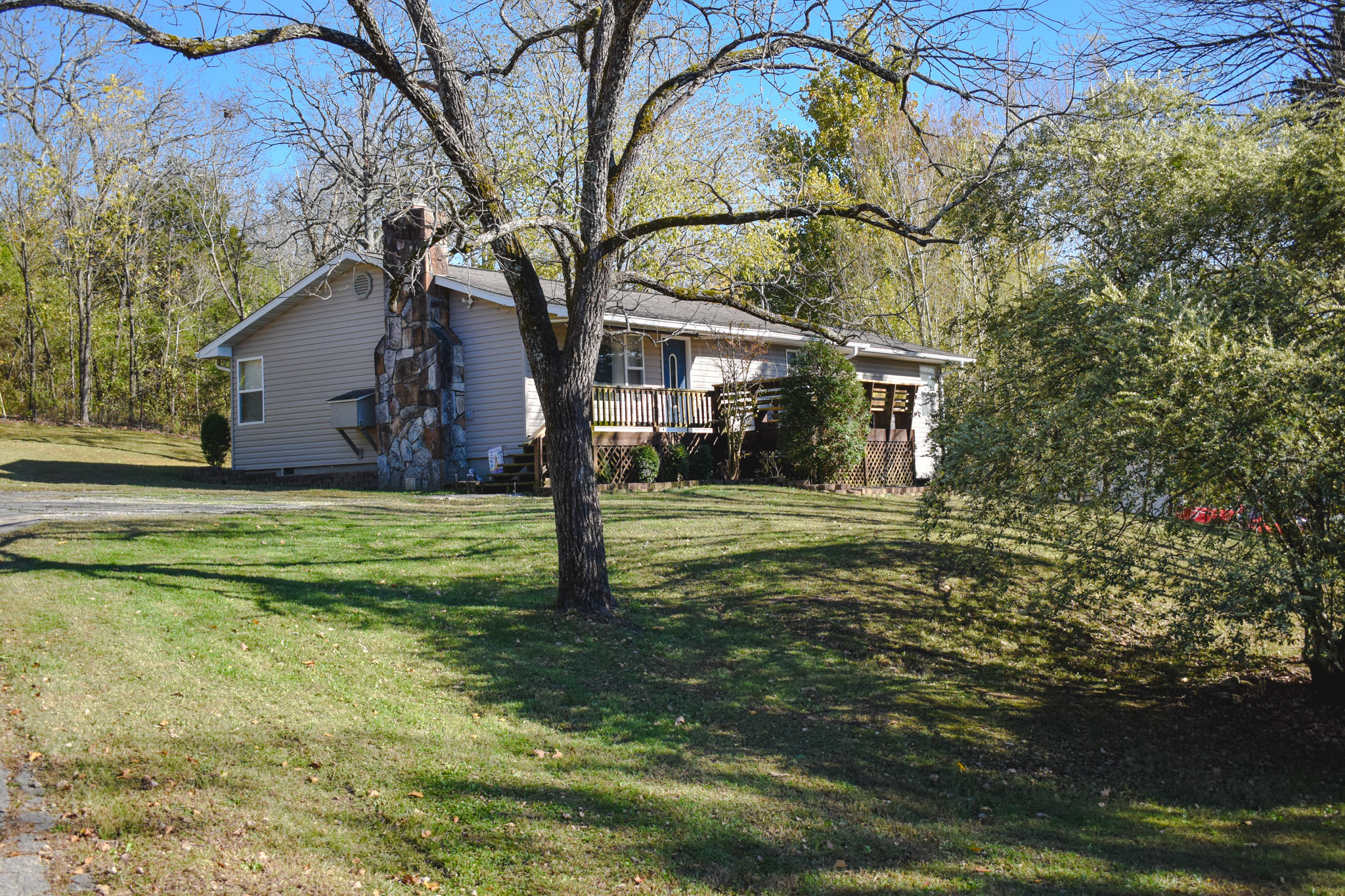 44 Doniphan Drive Gainesville, MO 65655