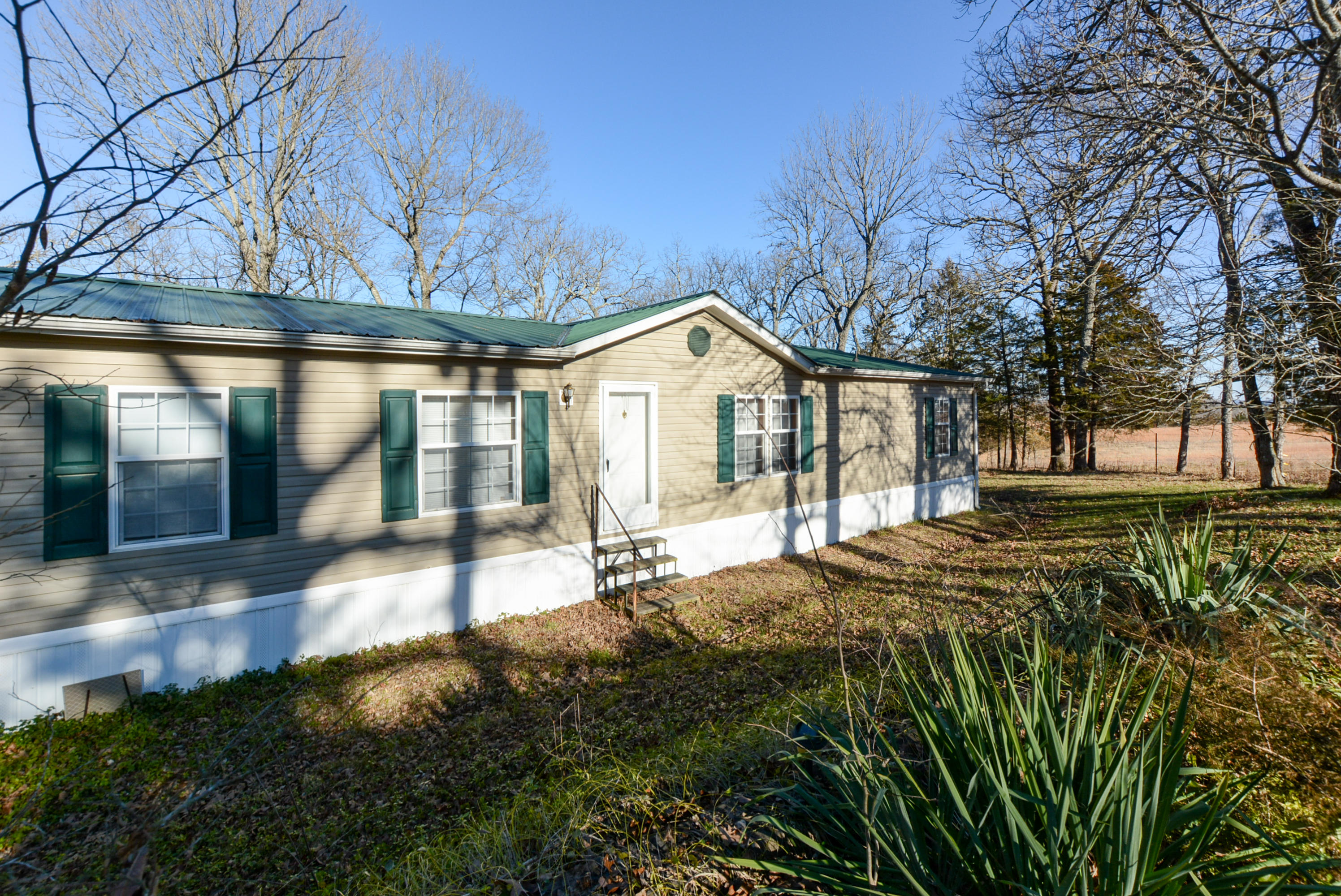 17782 East East State Highway Taneyville, MO 65759