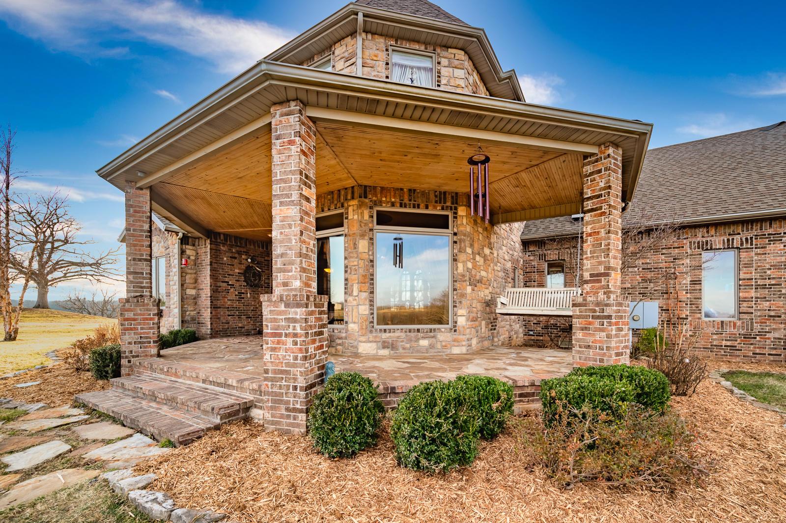 239 Postcard Drive Reeds Spring, MO 65737