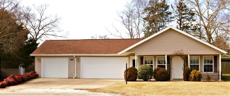 218 Pickett Kirbyville, MO 65679