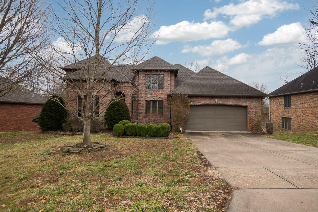 1668 South Chapel Drive Springfield, MO 65809
