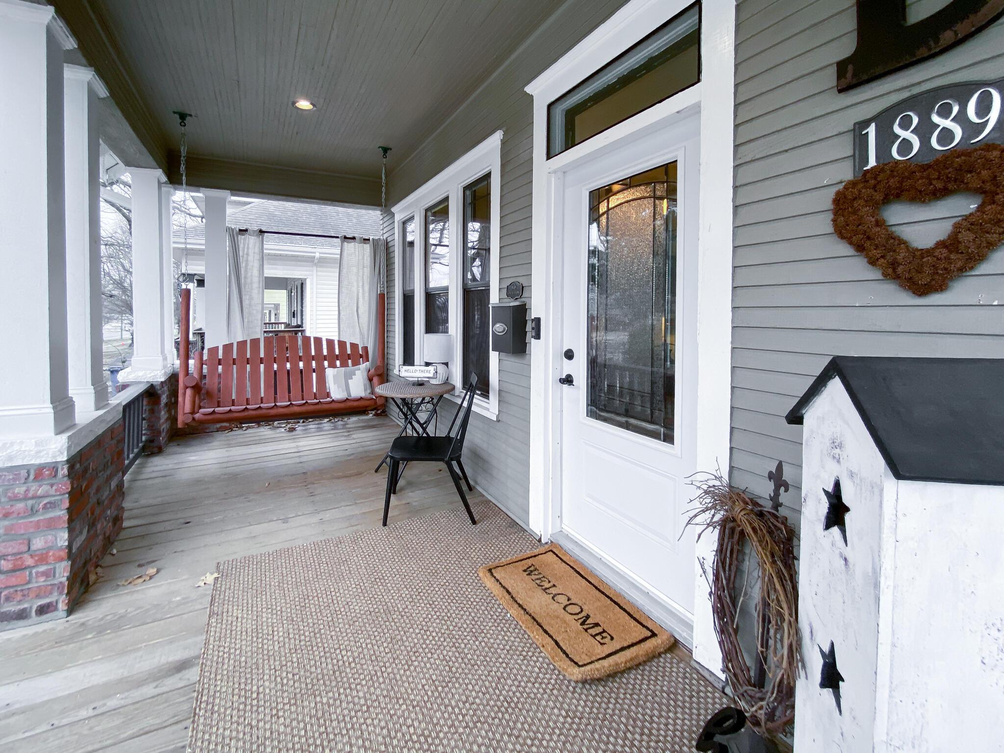 1889 North Grant Avenue Springfield, MO 65803