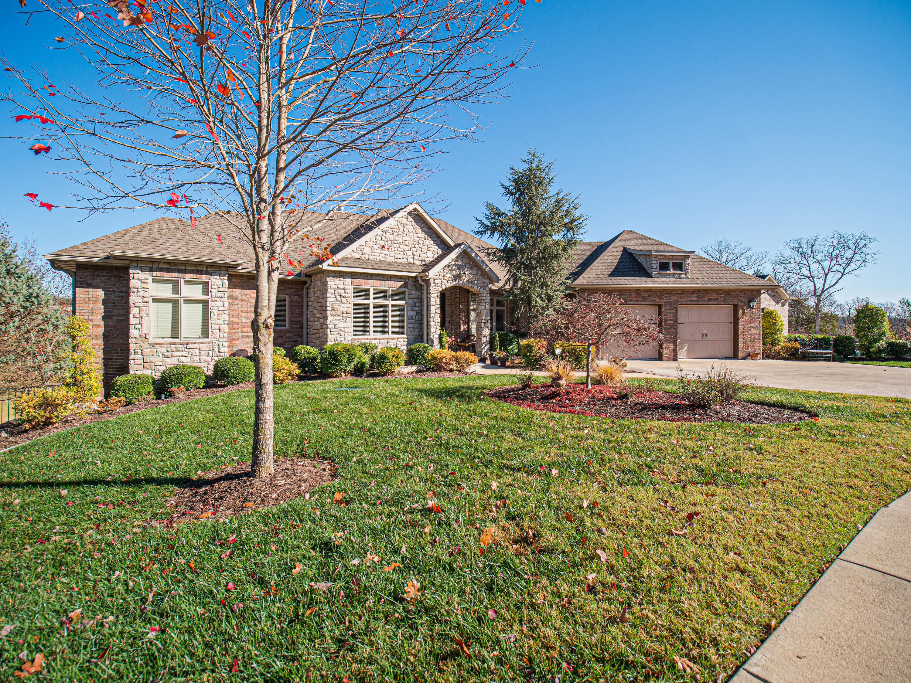 106 Olympic Drive Branson, MO 65616