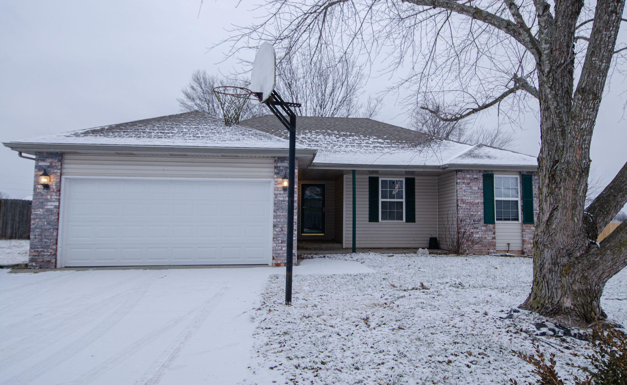 409 Westview Clever, MO 65631
