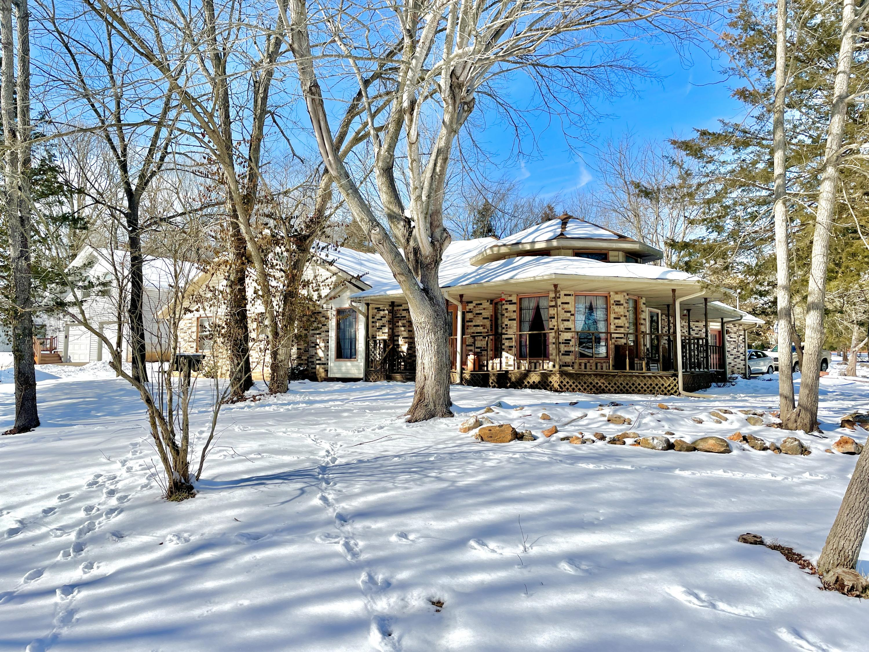 4913 East Crab Apple Lane Springfield, MO 65809