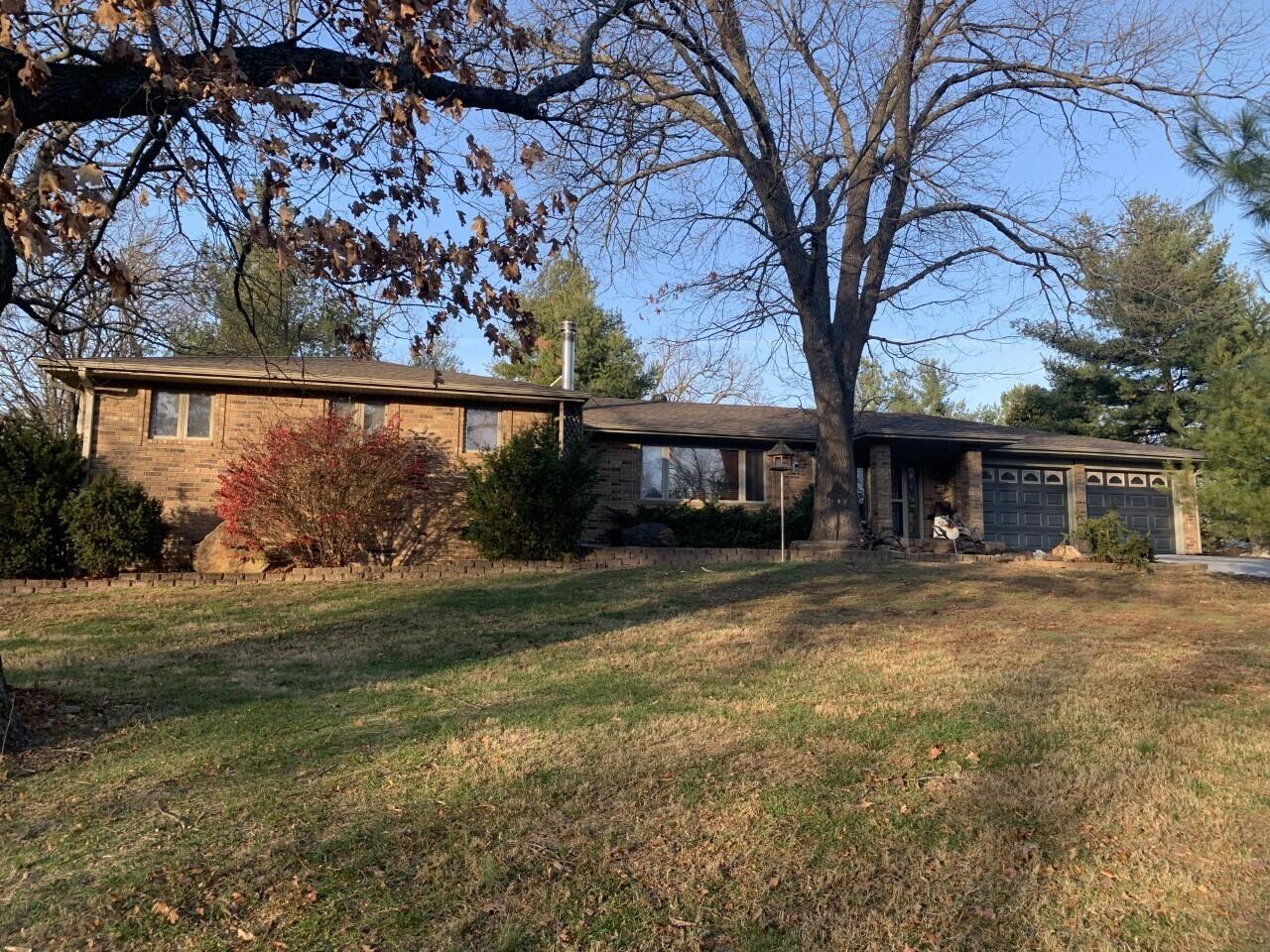 1860 Ridgewood Road Neosho, MO 64850