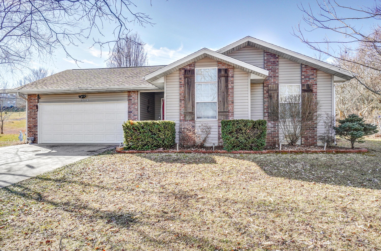 1504 East Windridge Ozark, MO 65721