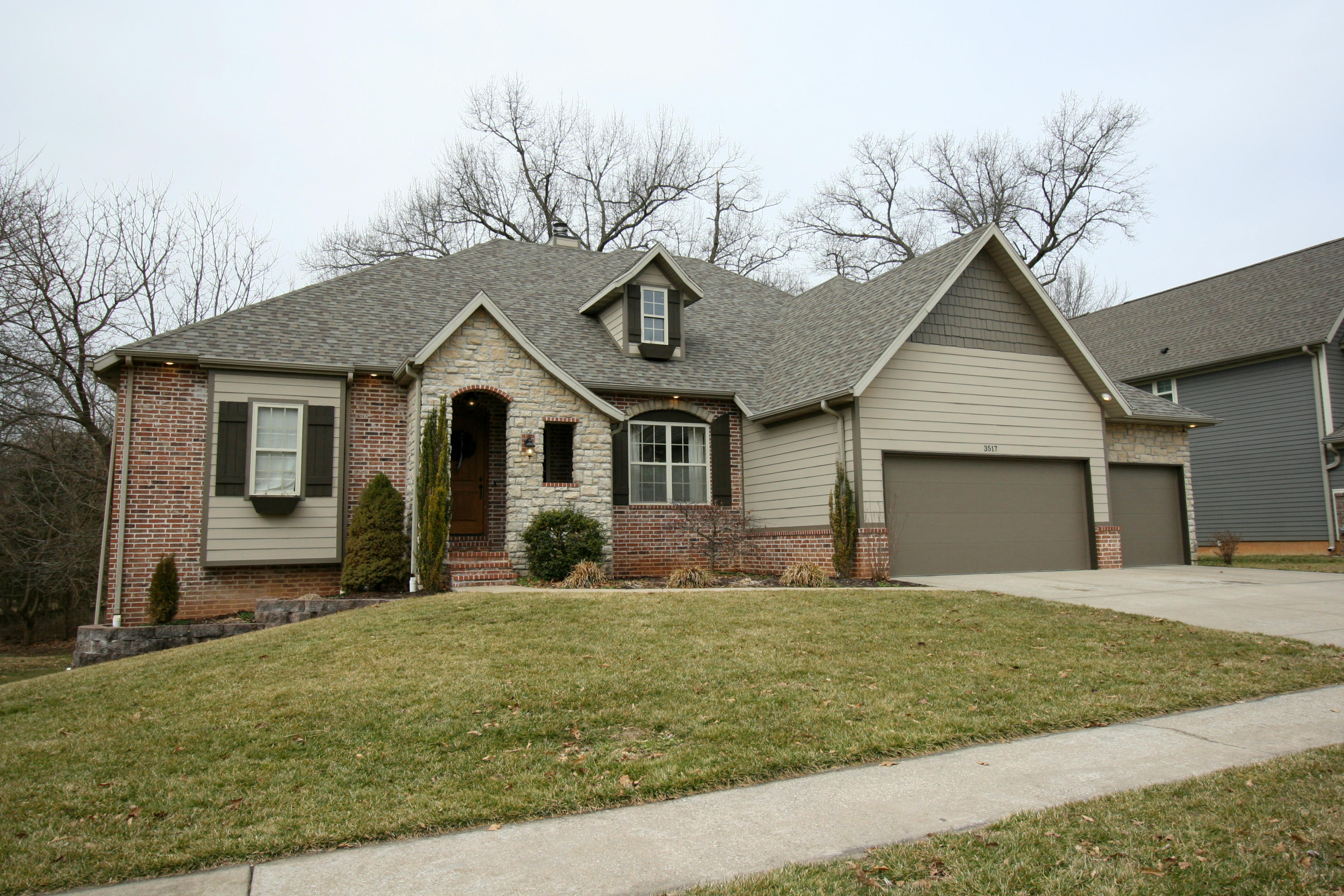 3517 North Brinnsfield Drive Ozark, MO 65721