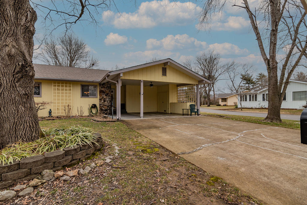 1 Oak Court Branson, MO 65616
