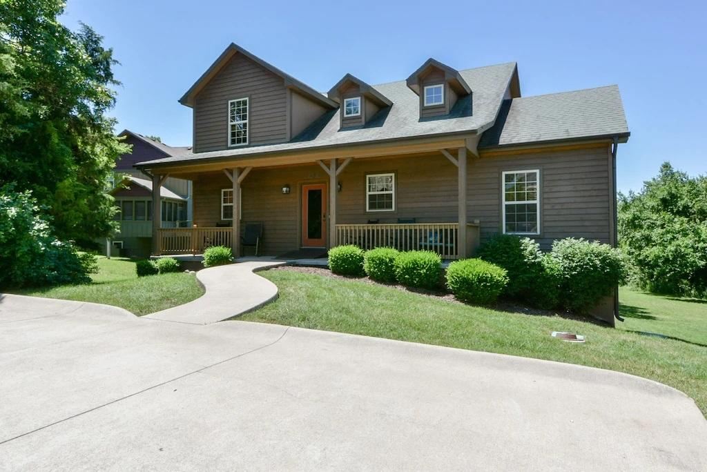 222 Streamside Drive Hollister, MO 65672