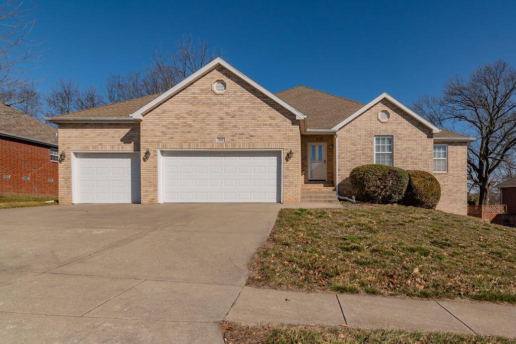 839 East Country Ridge Street Nixa, MO 65714
