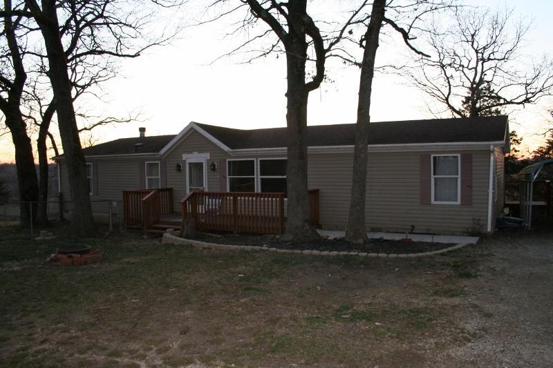 1278 Lakeway Kissee Mills, MO 65680