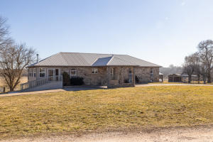 9248 West Hedge Tree Lane, Springfield, MO 65802