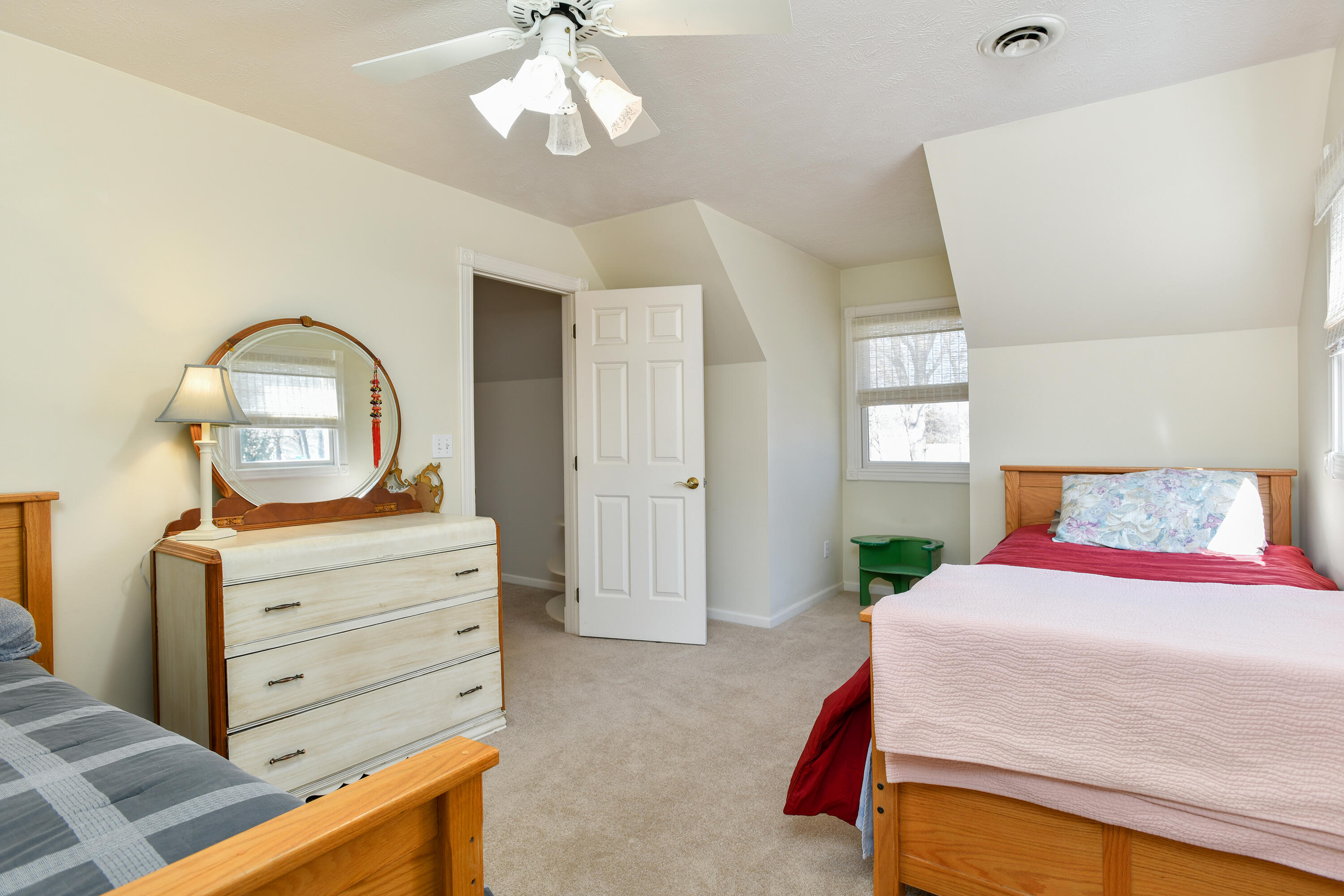5622 East Eastmore Drive Springfield, MO 65809