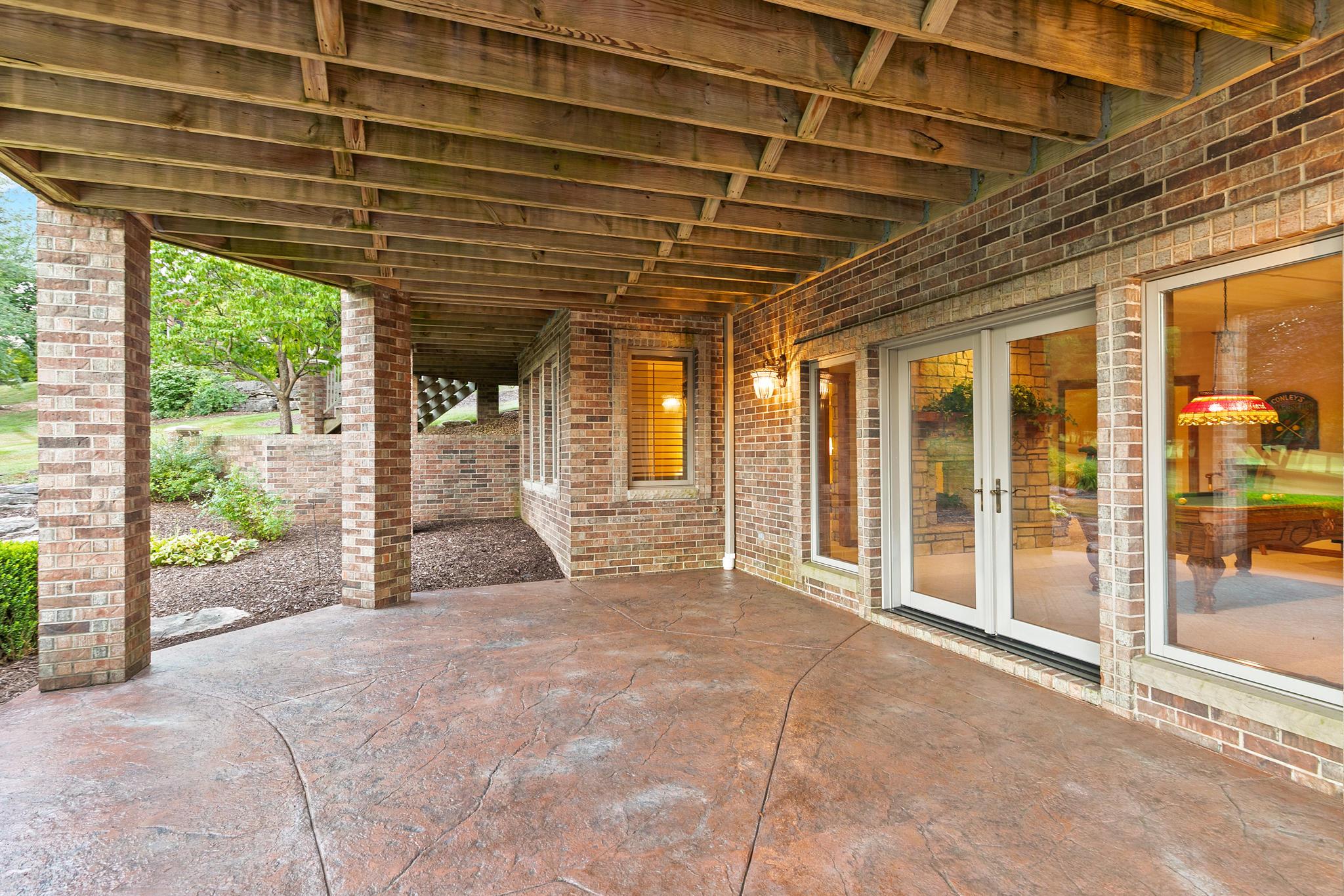 6040 South Natural Falls Drive Ozark, MO 65721
