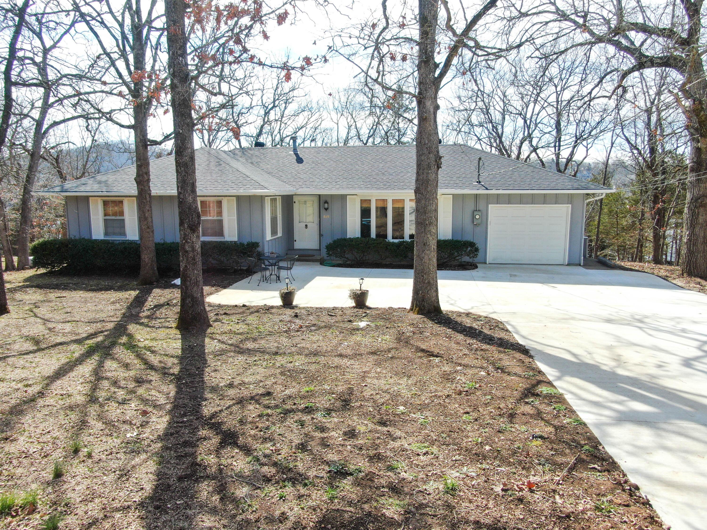 828 Santana Circle Reeds Spring, MO 65737