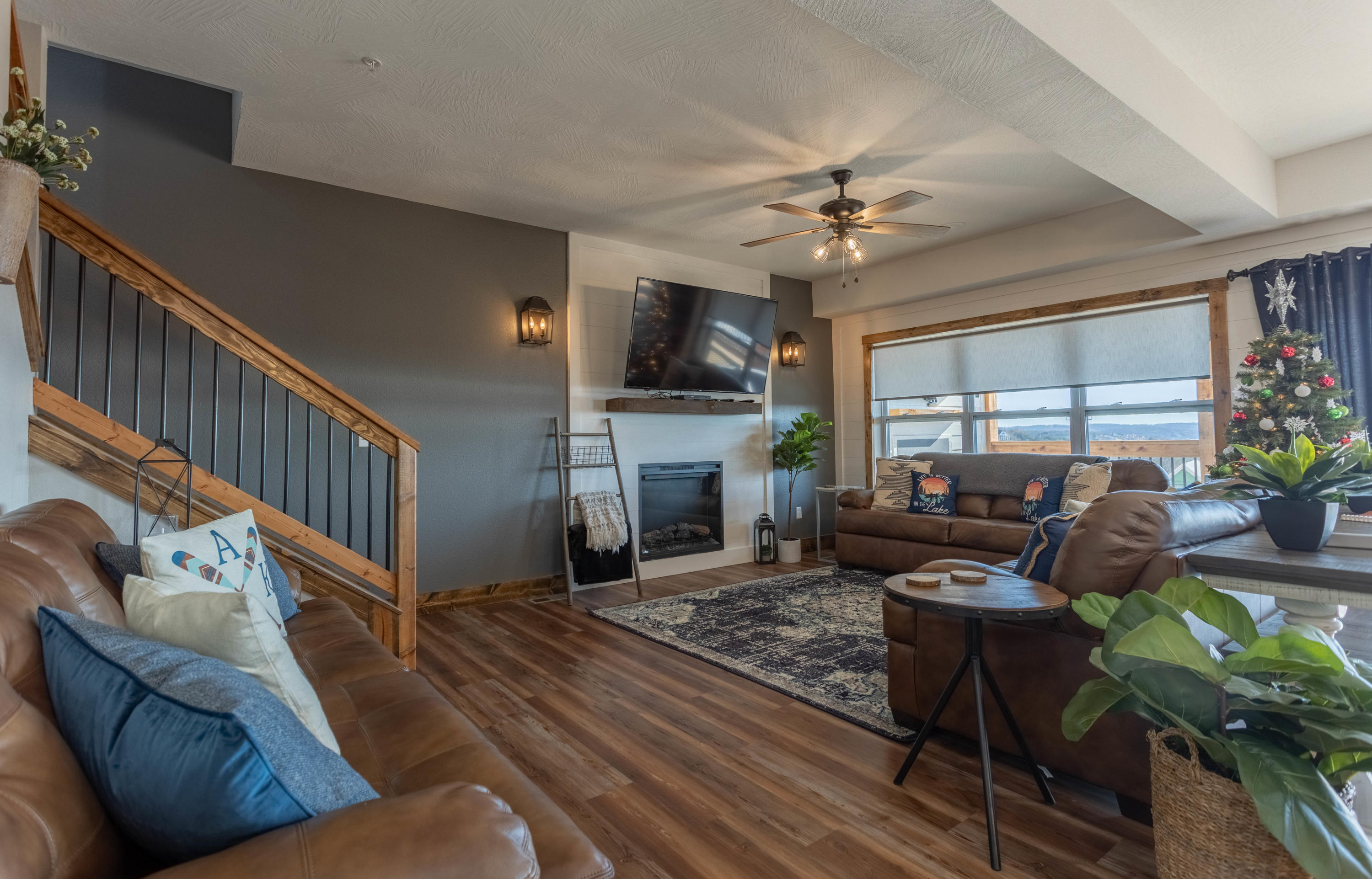 6324 State Hwy. UNIT #25 Hollister, MO 65672