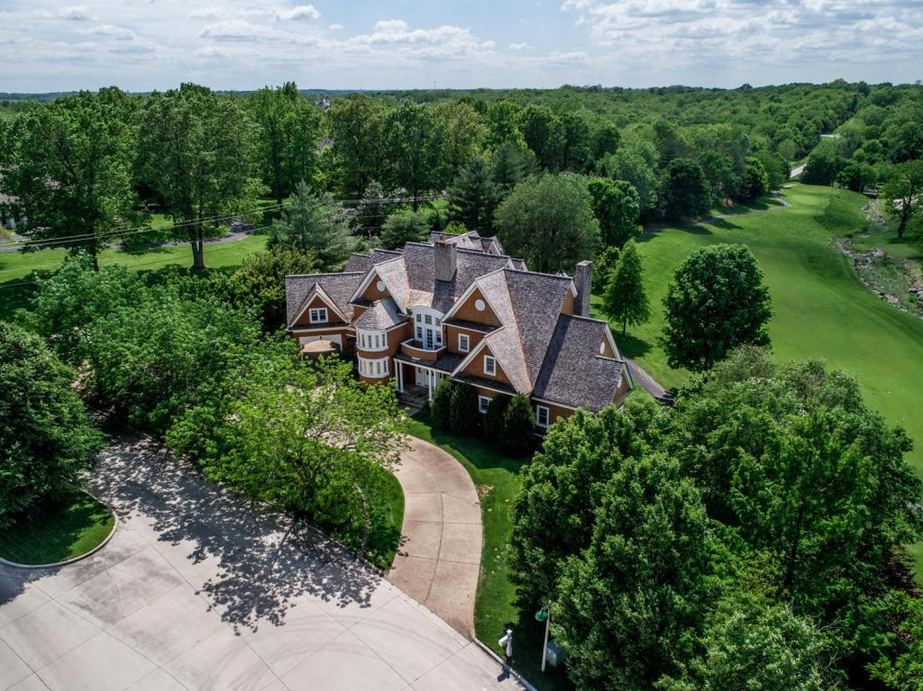5785 South Coldstream Drive Springfield, MO 65809