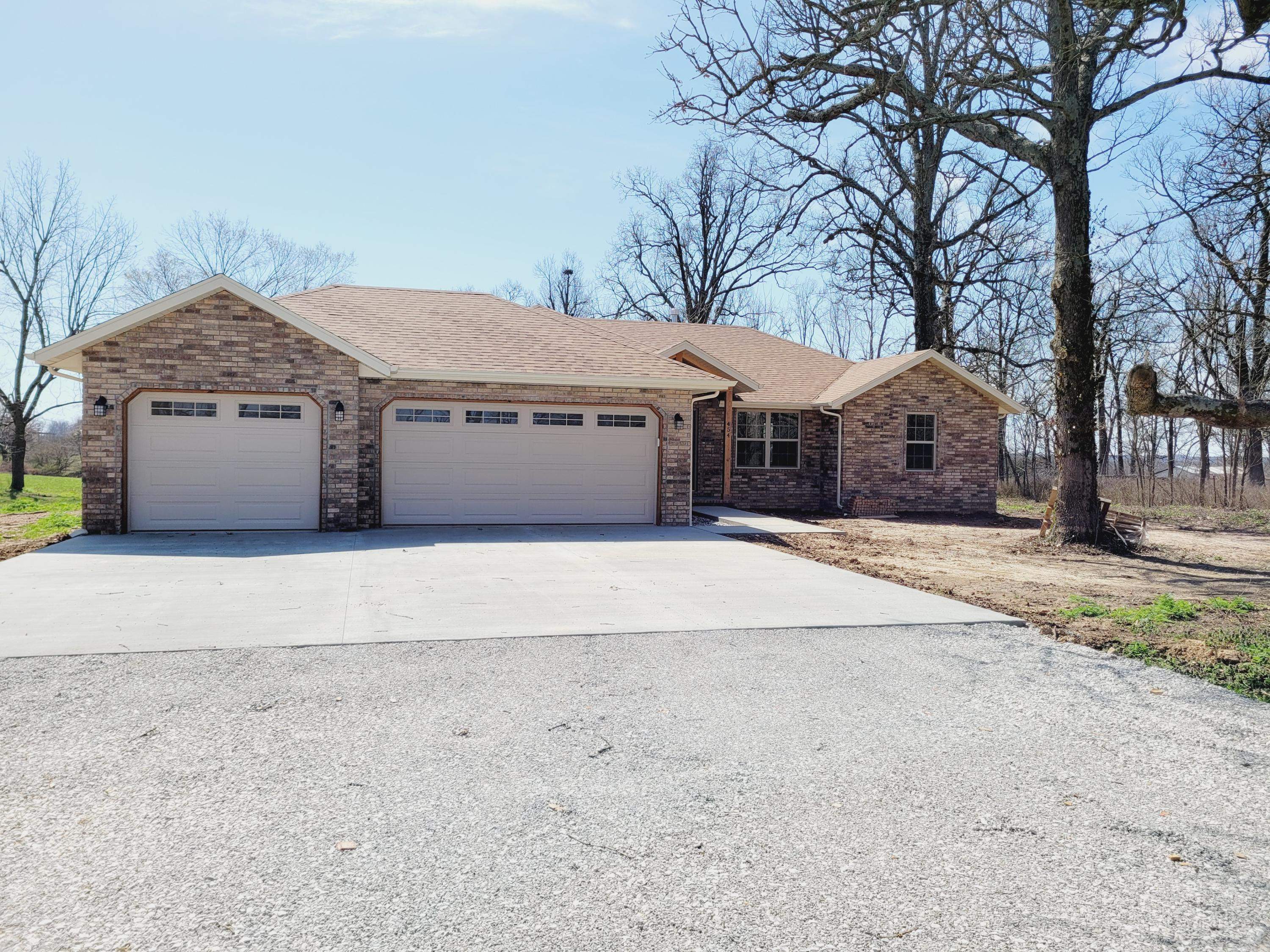 454 Spring Creek Road Clever, MO 65631