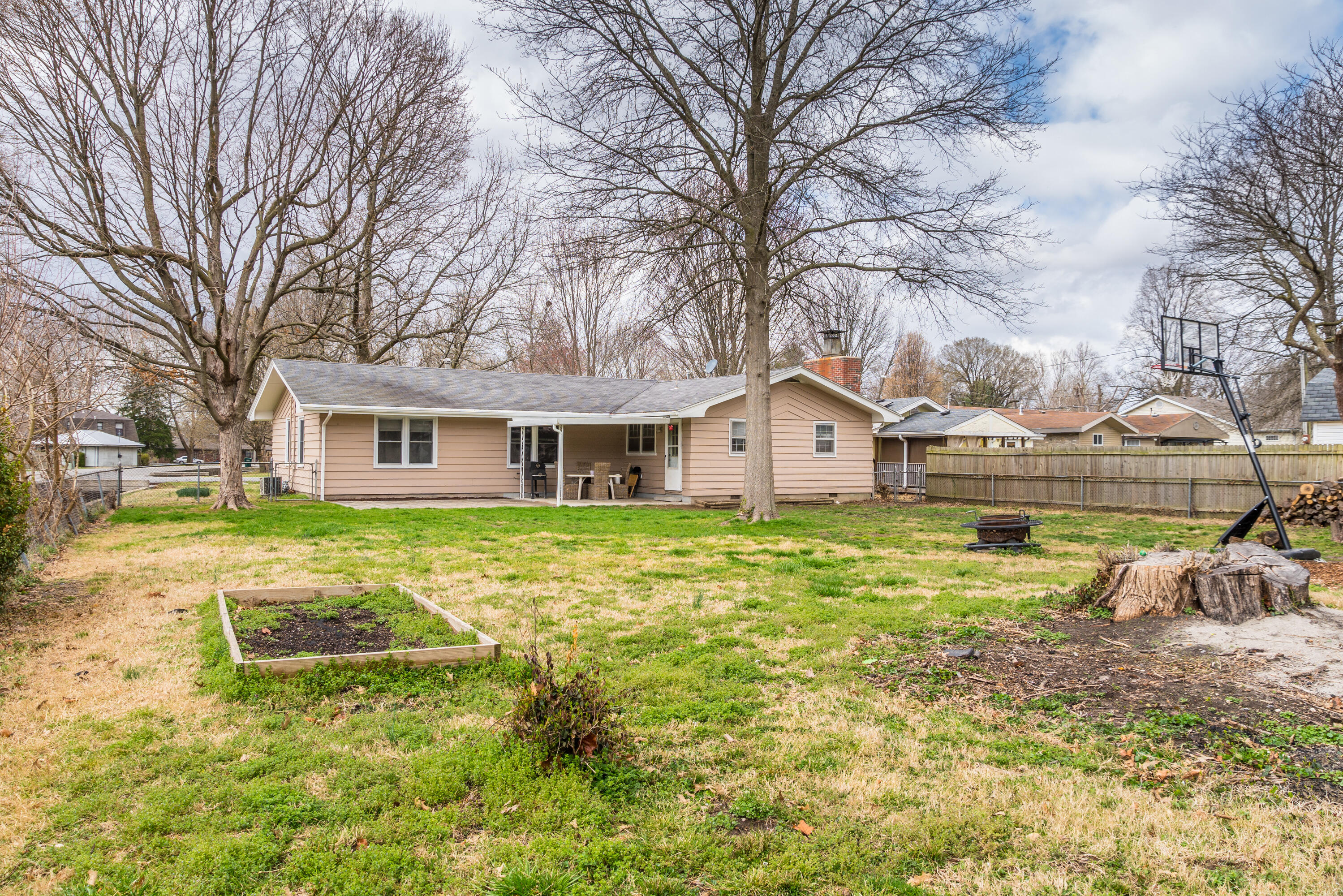 600 North Oak Grove Avenue Springfield, MO 65802