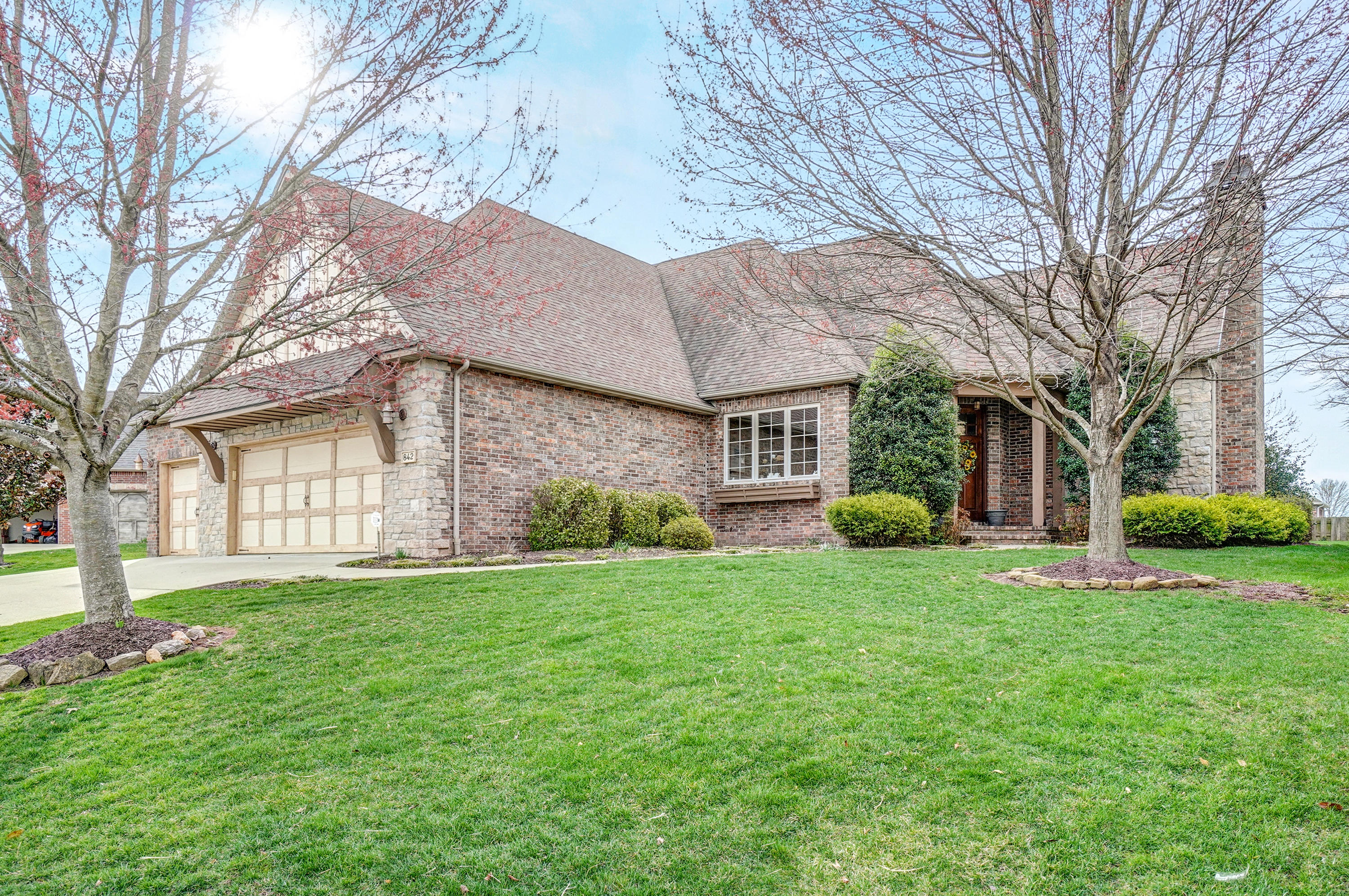 842 East Rush Court Nixa, MO 65714