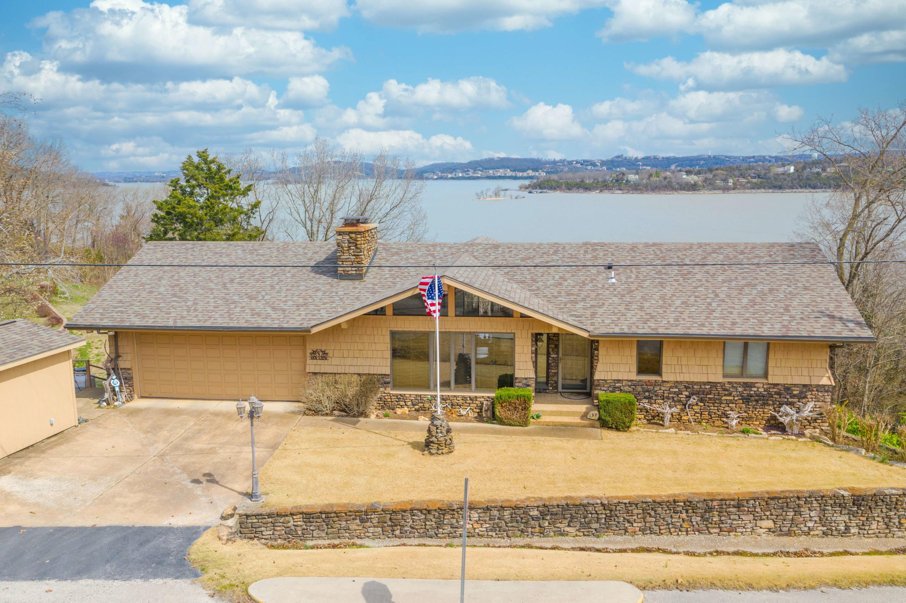 699 Clearwater Drive Ridgedale, MO 65739