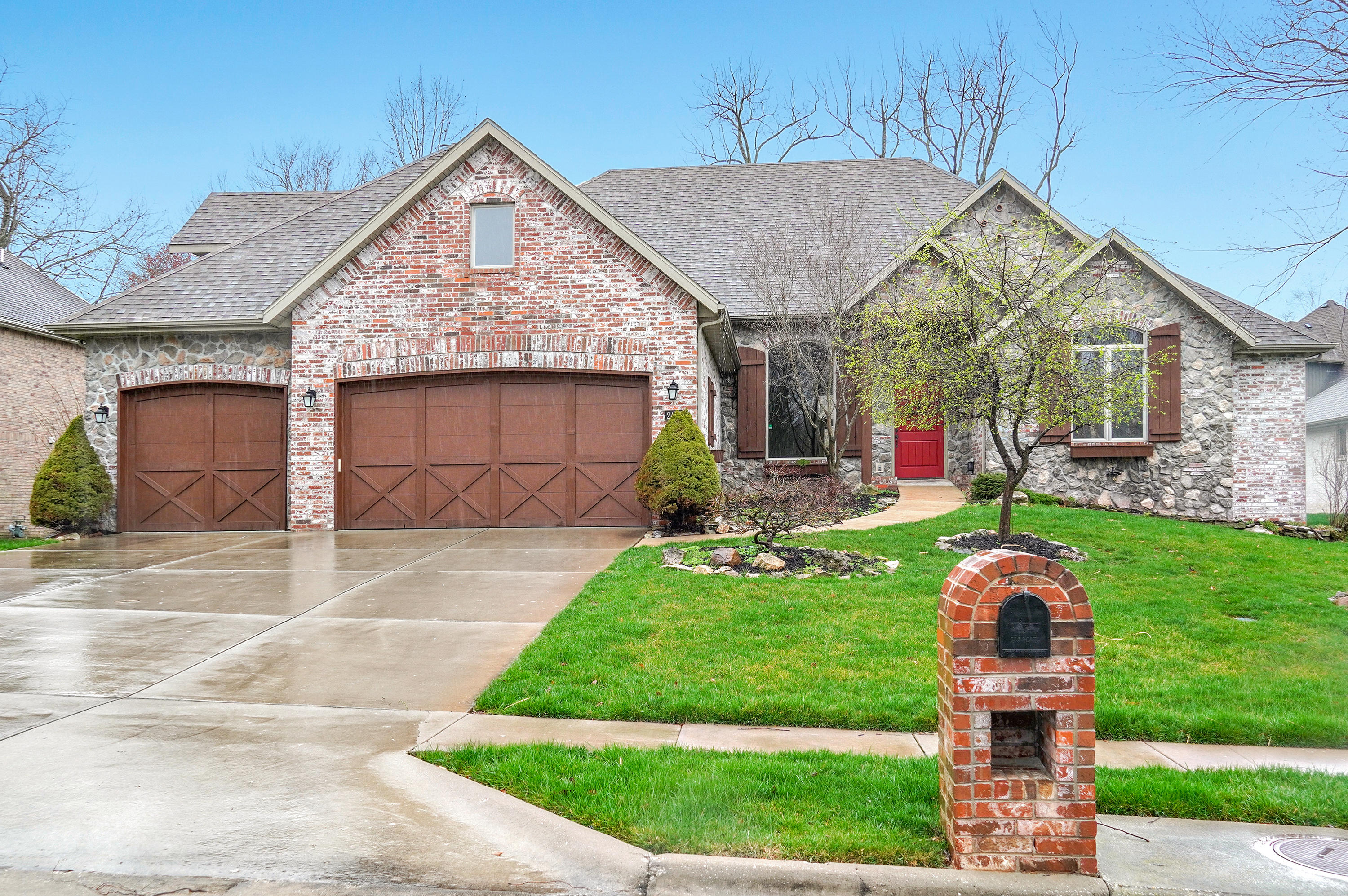 2487 South Windsong Avenue Springfield, MO 65809