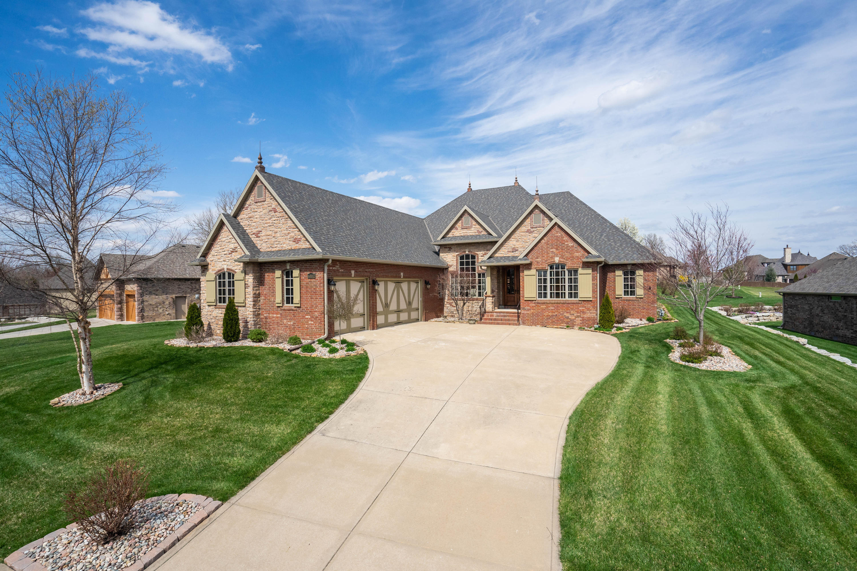 6352 South Weatherwood Trail Springfield, MO 65810