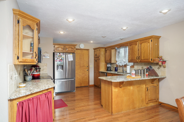 710 West Briarwood Lane Nixa, MO 65714