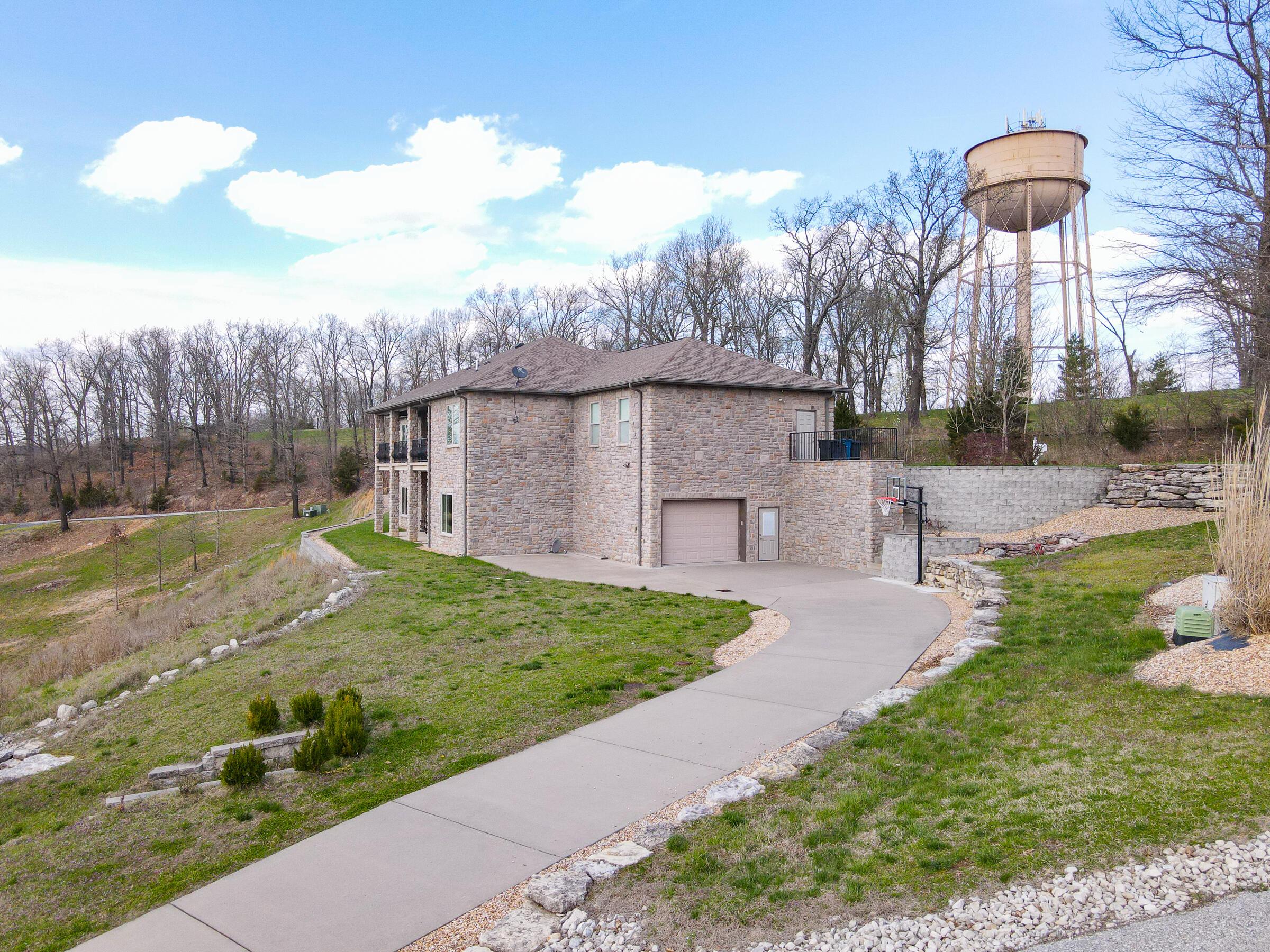 102 Stoneridge Estates Branson, MO 65616