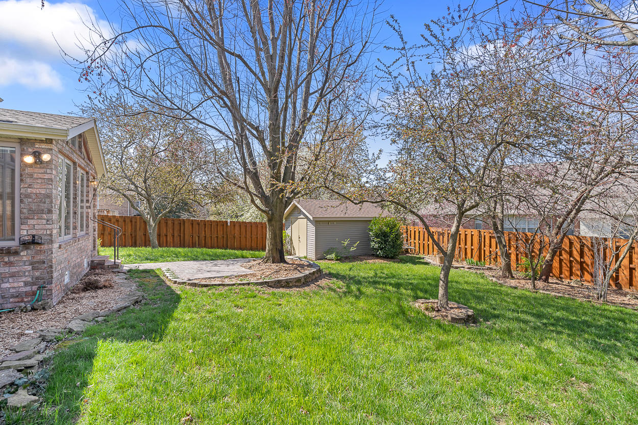 4929 South Prairie View Avenue Battlefield, MO 65619
