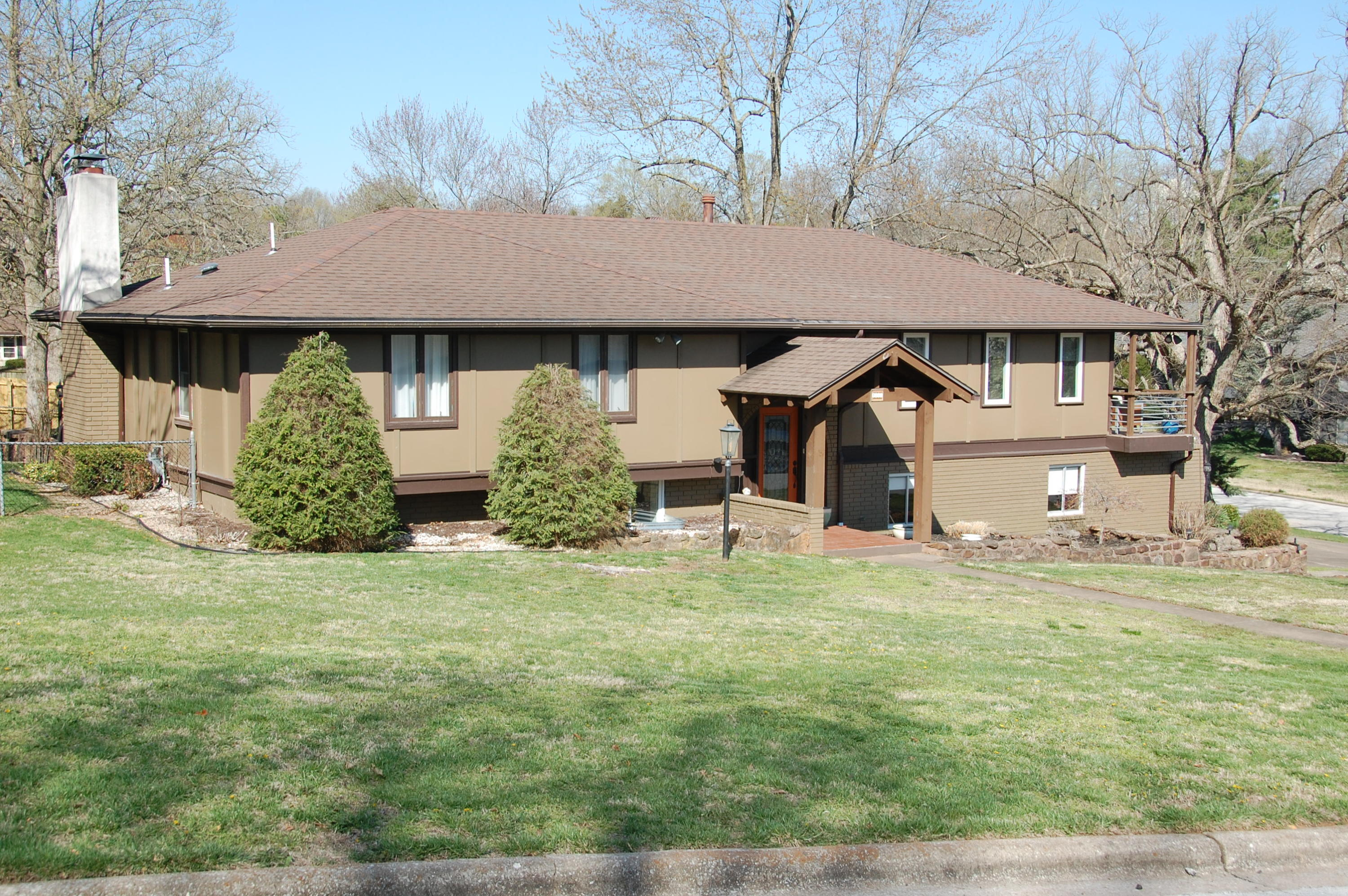 1443 South Essex Road Springfield, MO 65809