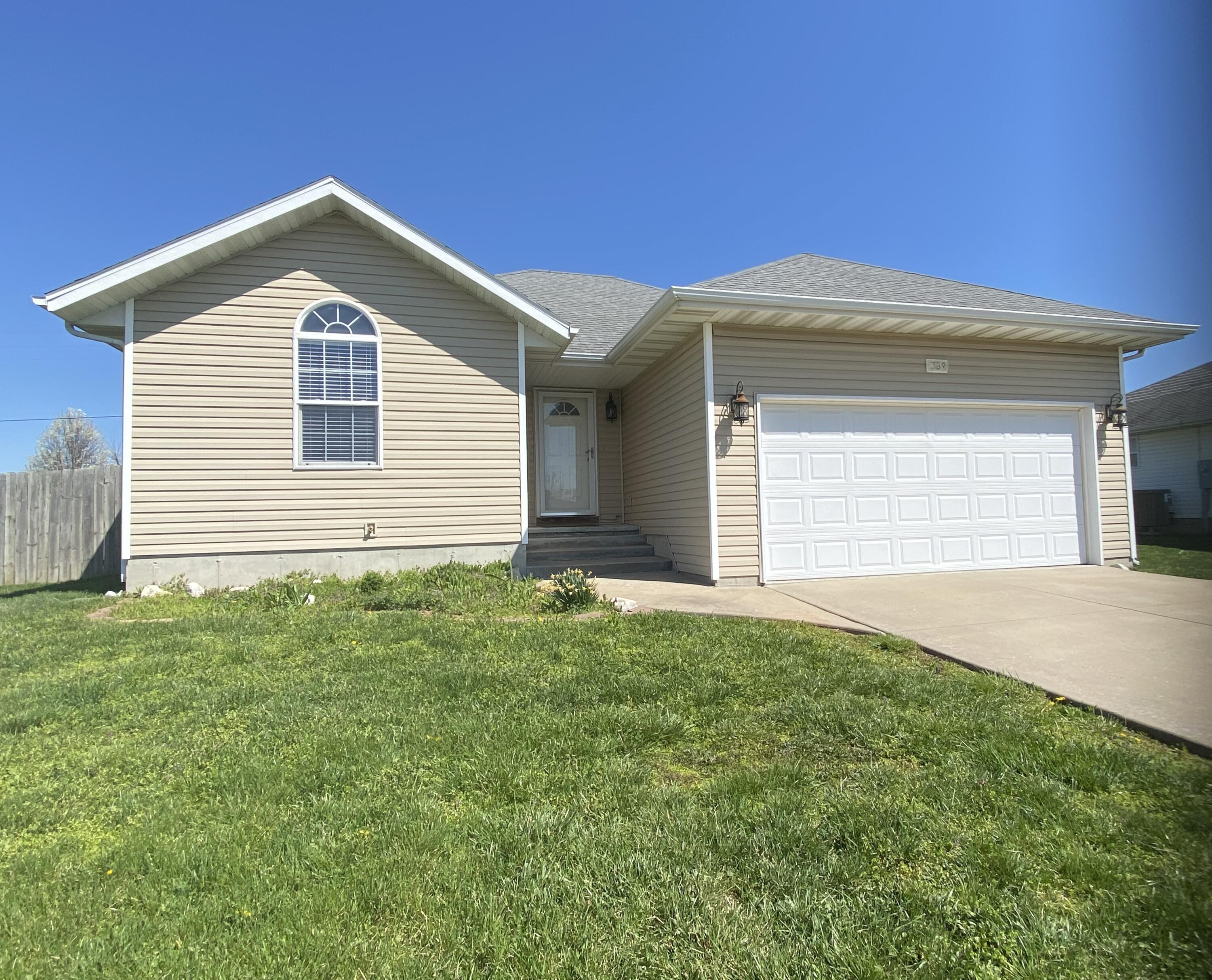 339 Sugar Tree Road Sparta, MO 65753