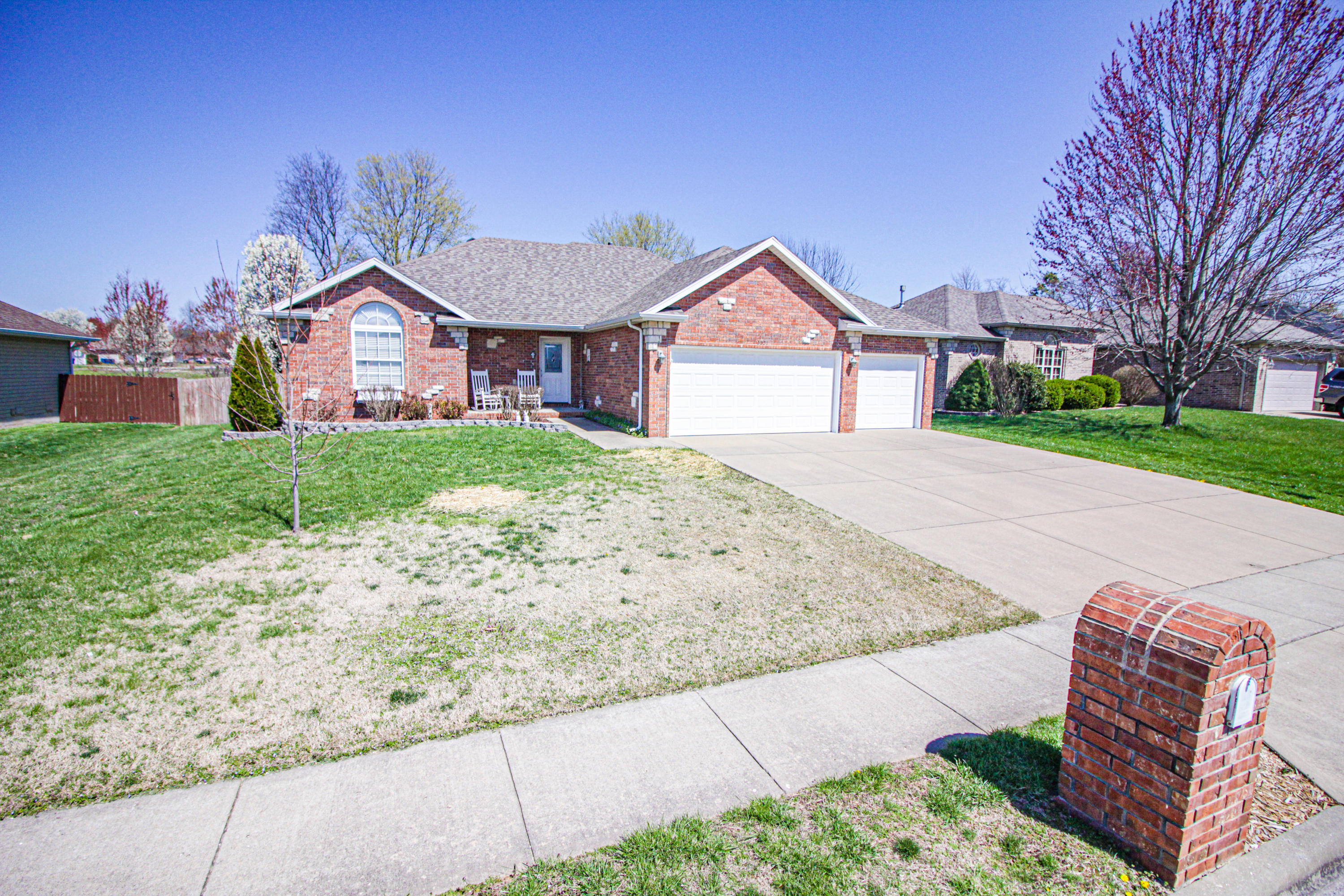 3551 West Cole Street Battlefield, MO 65619