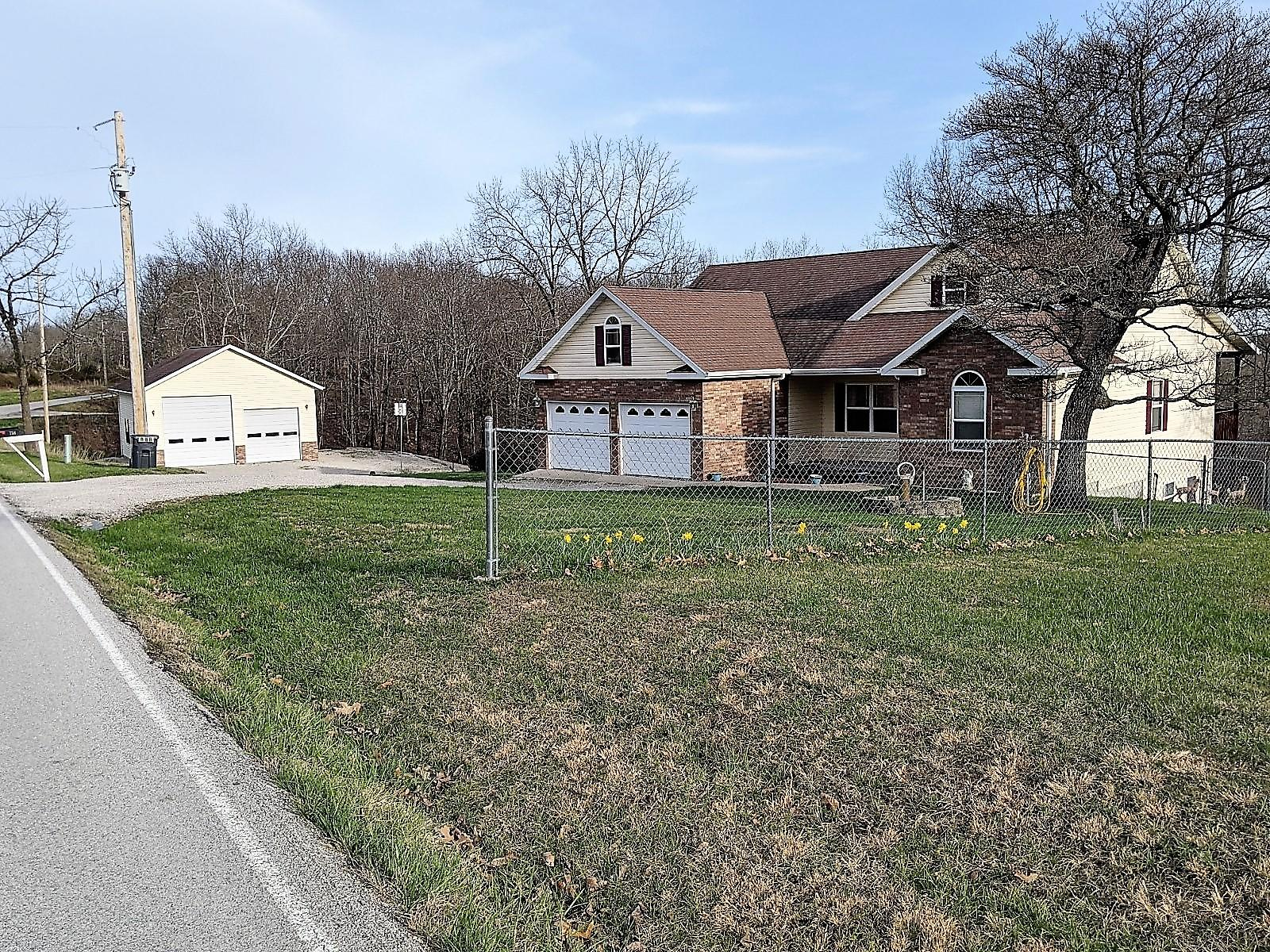 758 Old Wilderness Road Reeds Spring, MO 65737