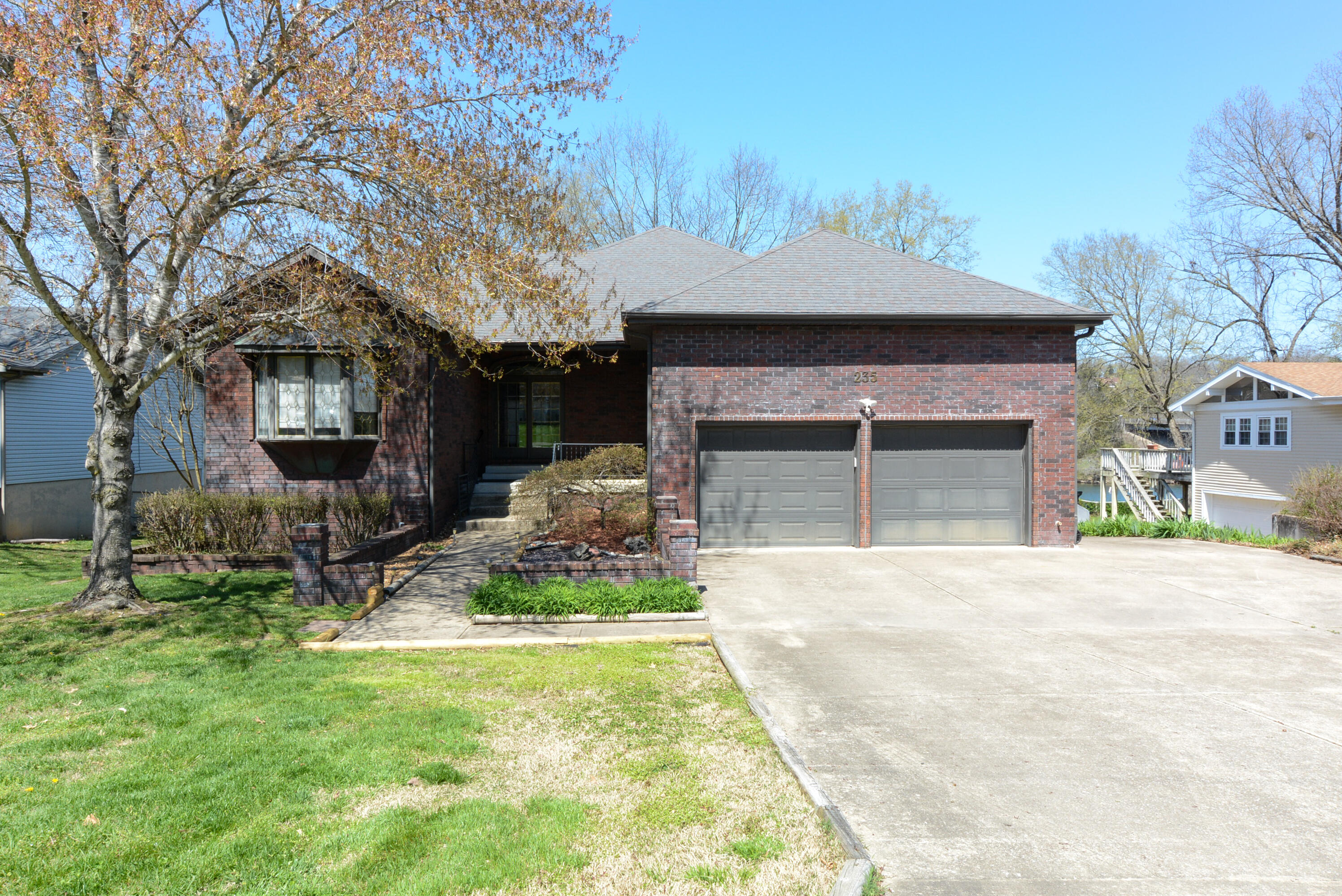 235 Wilshire Drive Hollister, MO 65672