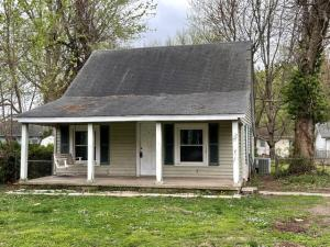 1526 East Whiteside Street, Springfield, MO 65804