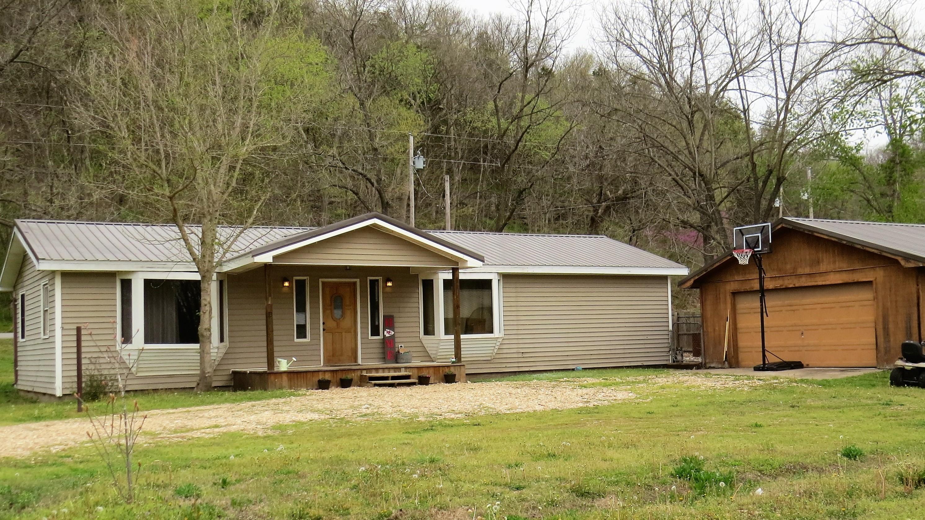 33 River Valley Estates Drive Pineville, MO 64856