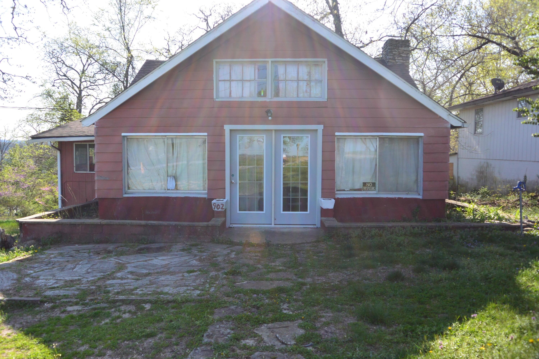902 Knox Avenue Hollister, MO 65672