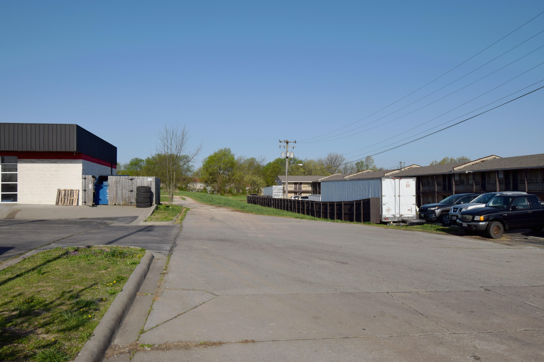 2549 North Glenstone Avenue Springfield, MO 65803