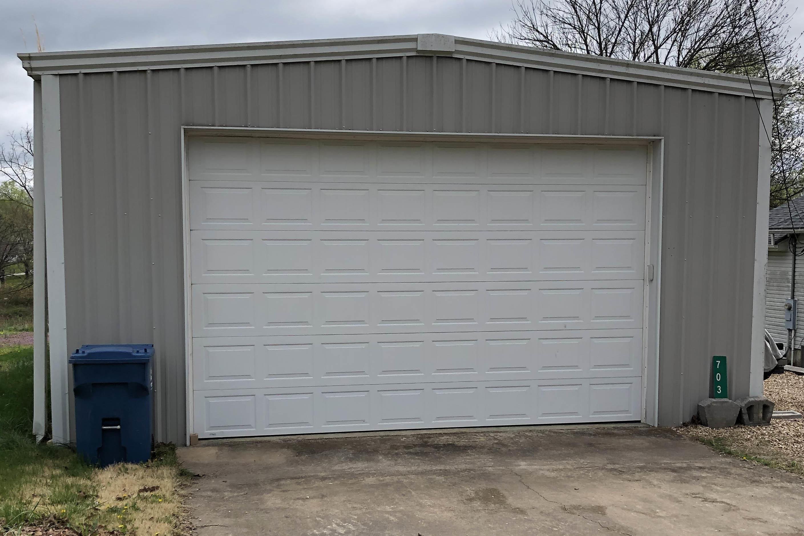 703 Agnes Street Crane, MO 65633