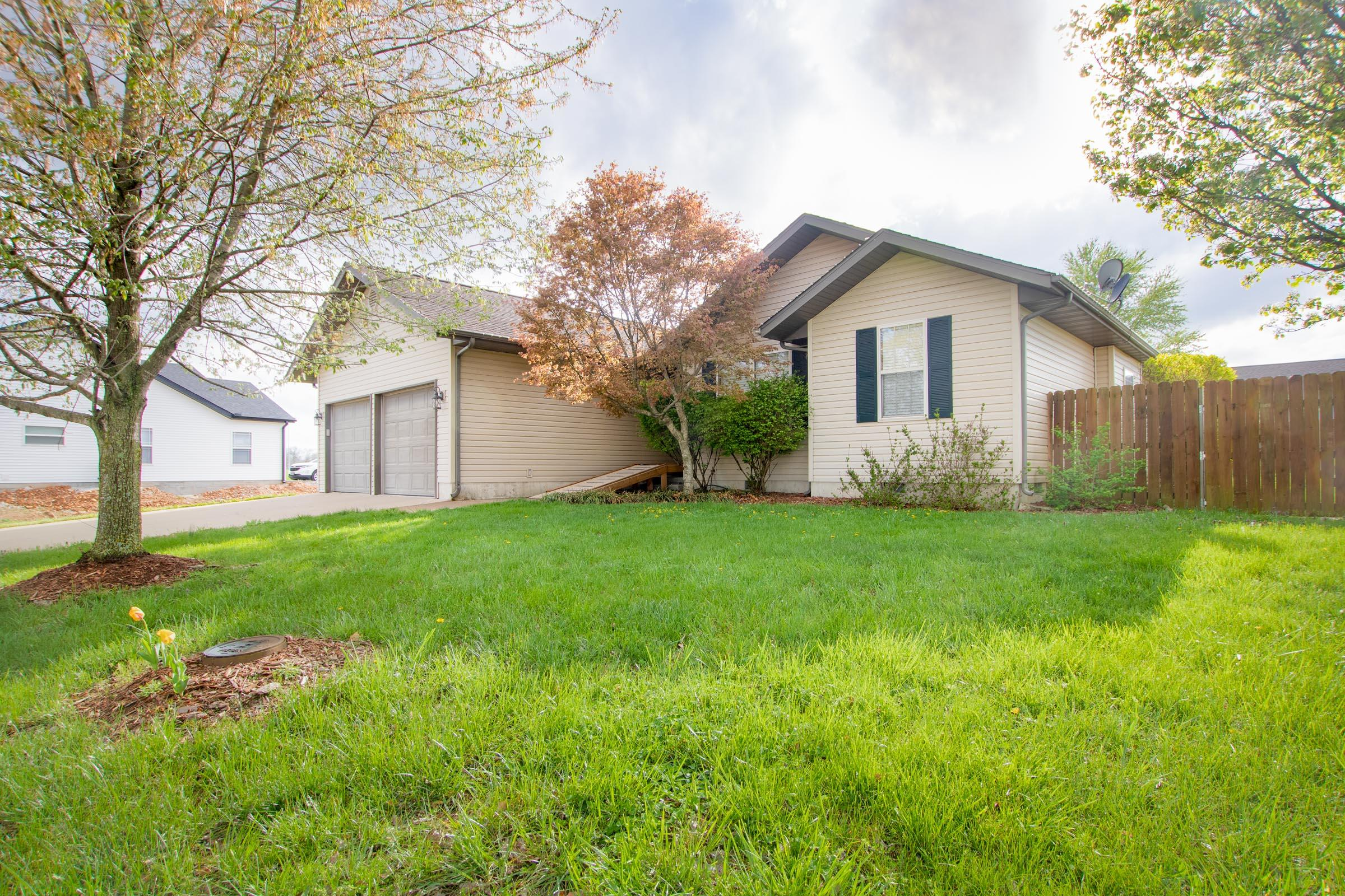 158 Neals Trail Reeds Spring, MO 65737