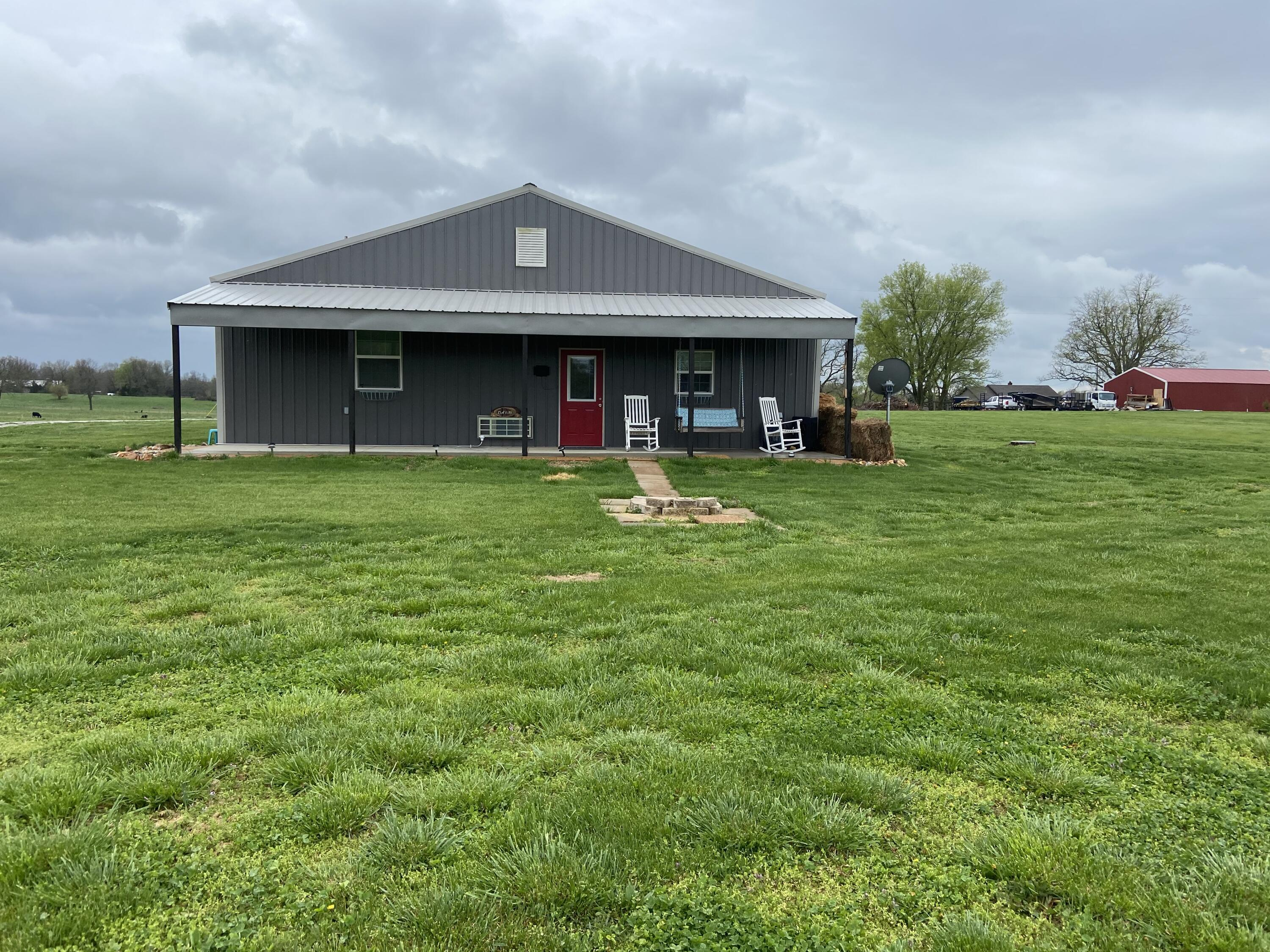 8546 East Farm Road Rogersville, MO 65742